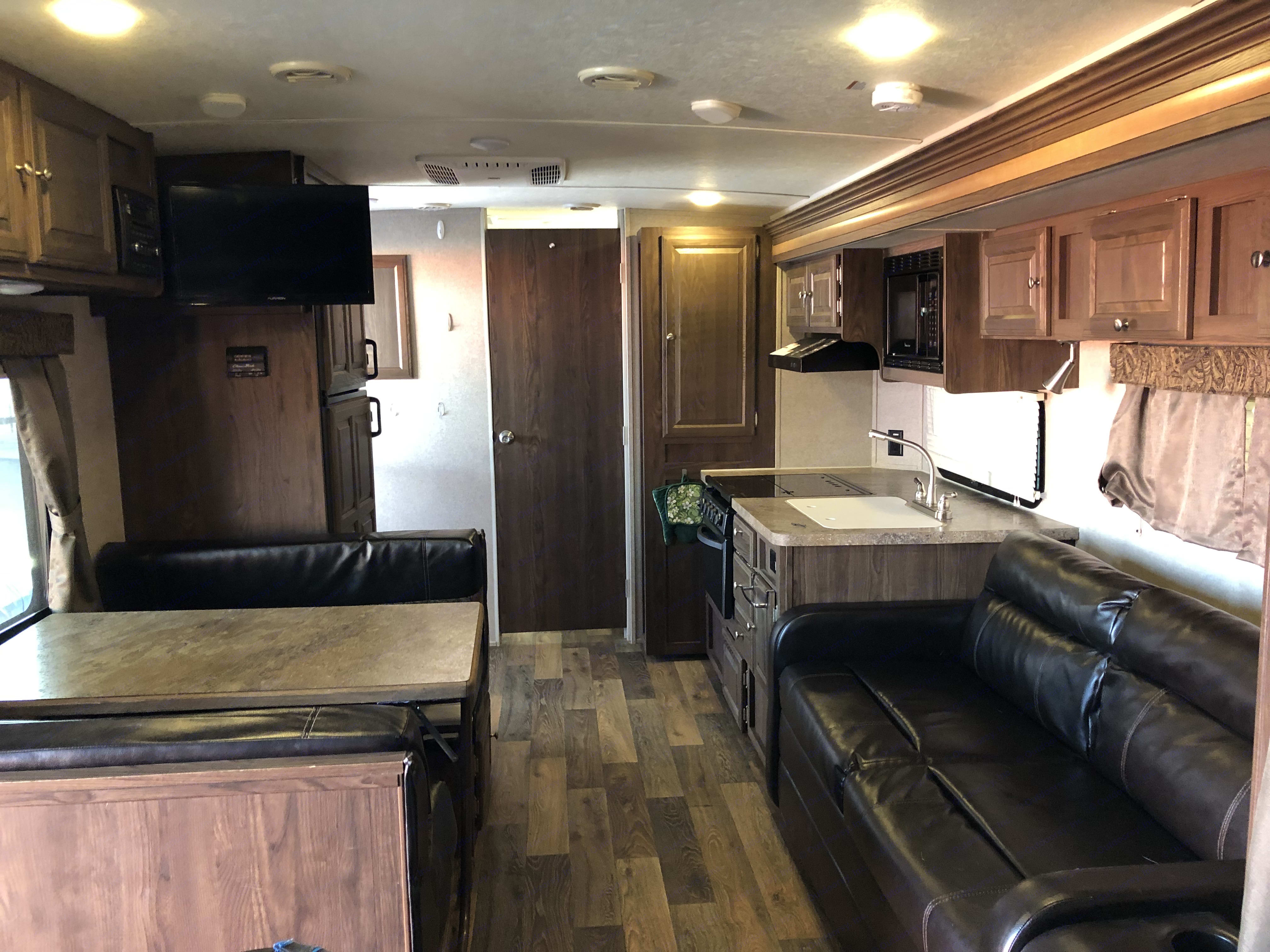 Plenty of space to relax. Forest River Rockwood Mini Lite 2016