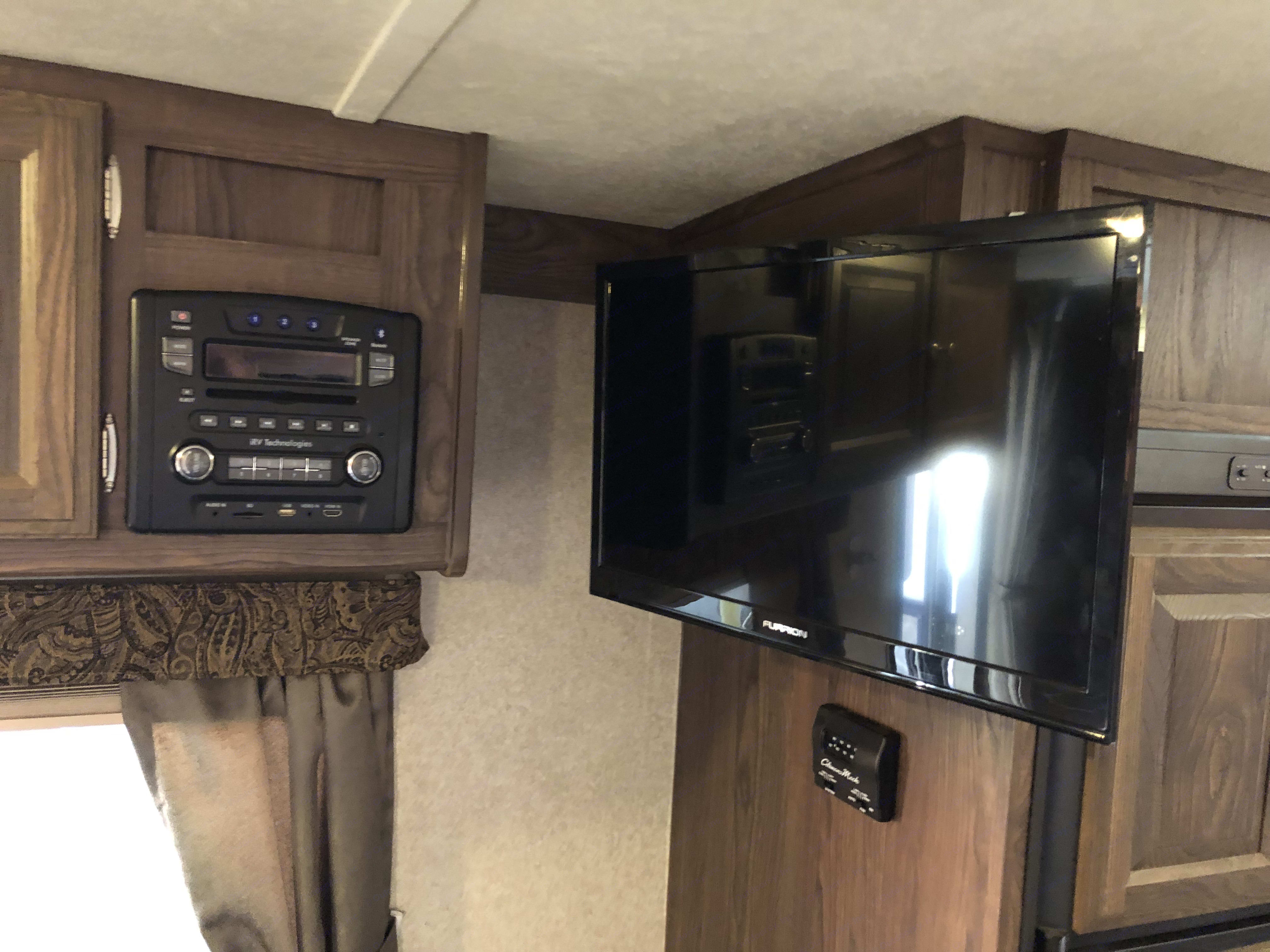 TV/ DVD player. Connects via bluetooth to your phone for music streaming through speakers.. Forest River Rockwood Mini Lite 2016