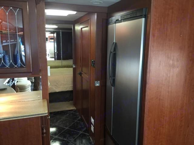 large two door fridge. Mandalay Coach 40b 2007