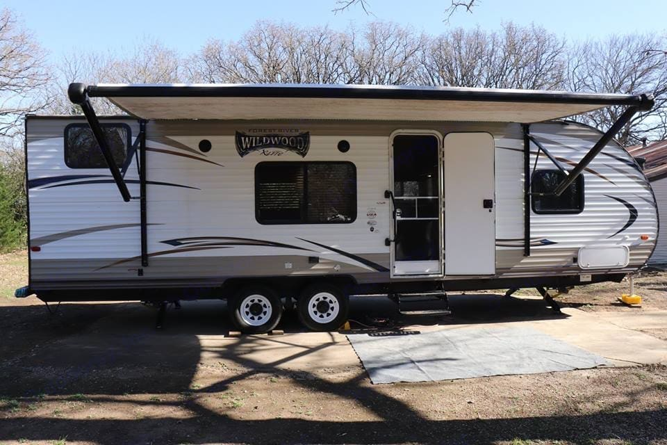 Great family easy set up trailer . Forest River Wildwood 2017