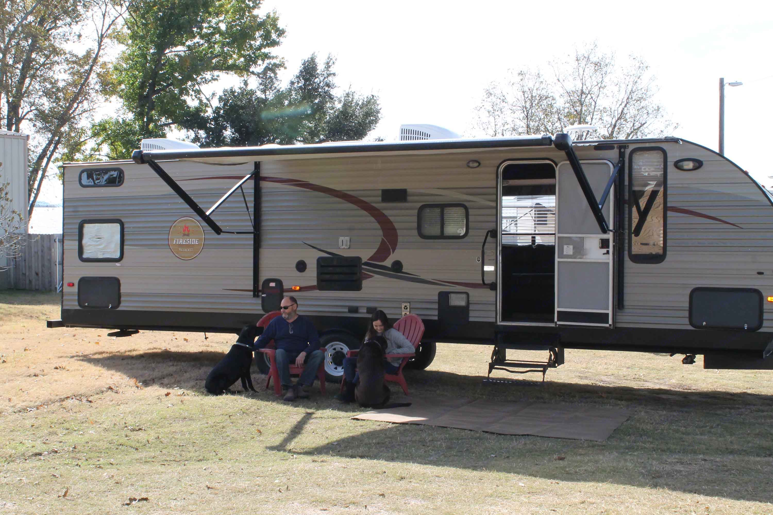 Pet friendly unit is perfect for larger families.. Forest River Cherokee 2015