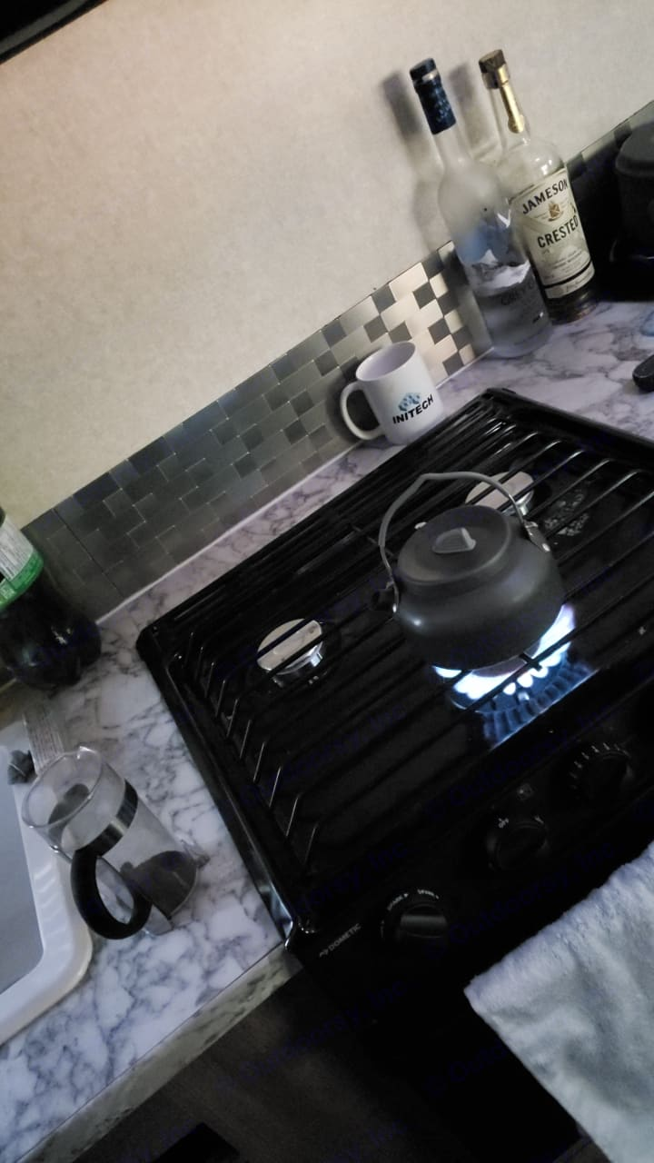 3 burner Stove and Oven. Jayco Jay Feather 2017