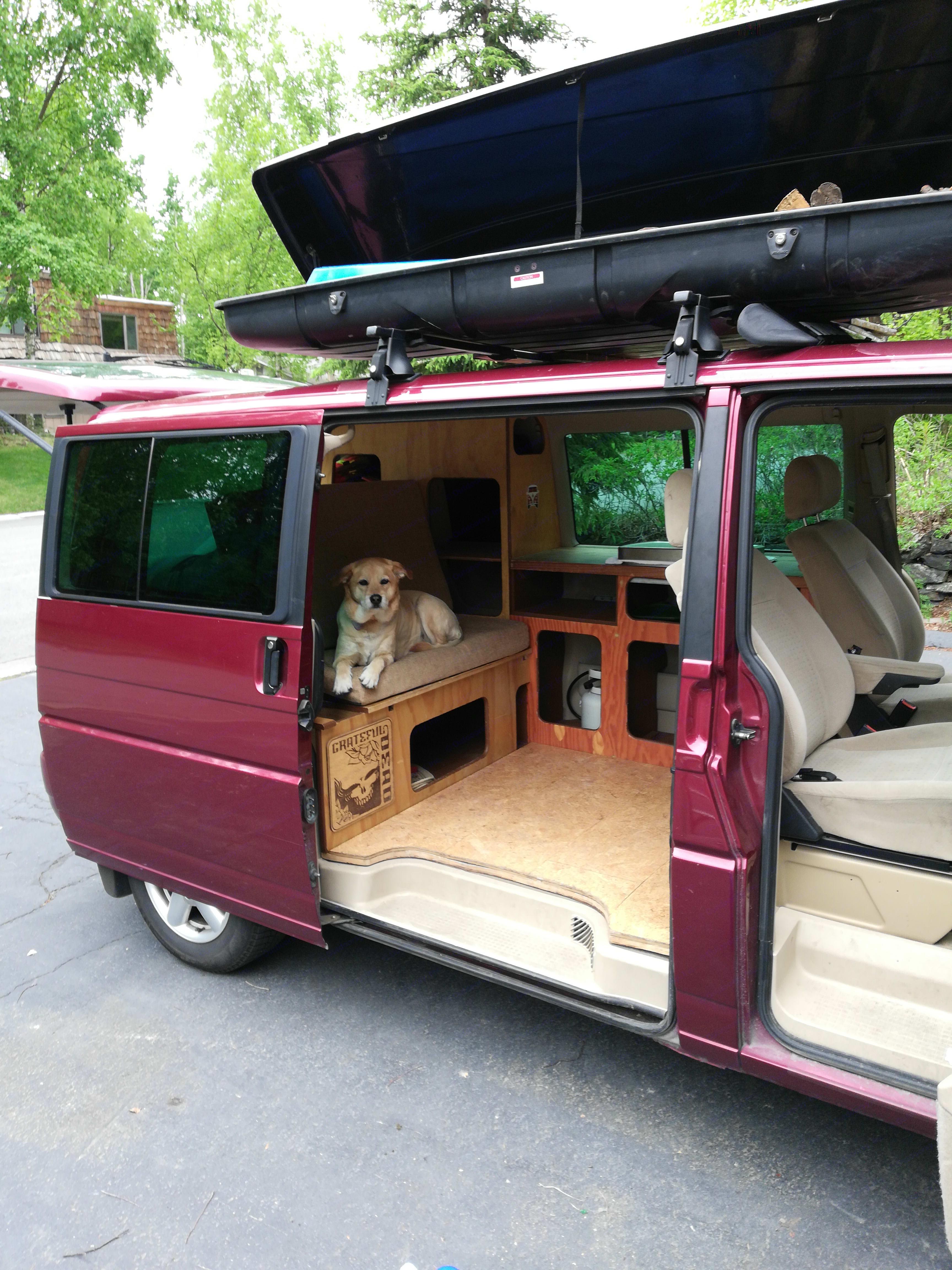 Our trustee dog Snoopz, yep we are pet friendly!. Volkswagen Eurovan 2001
