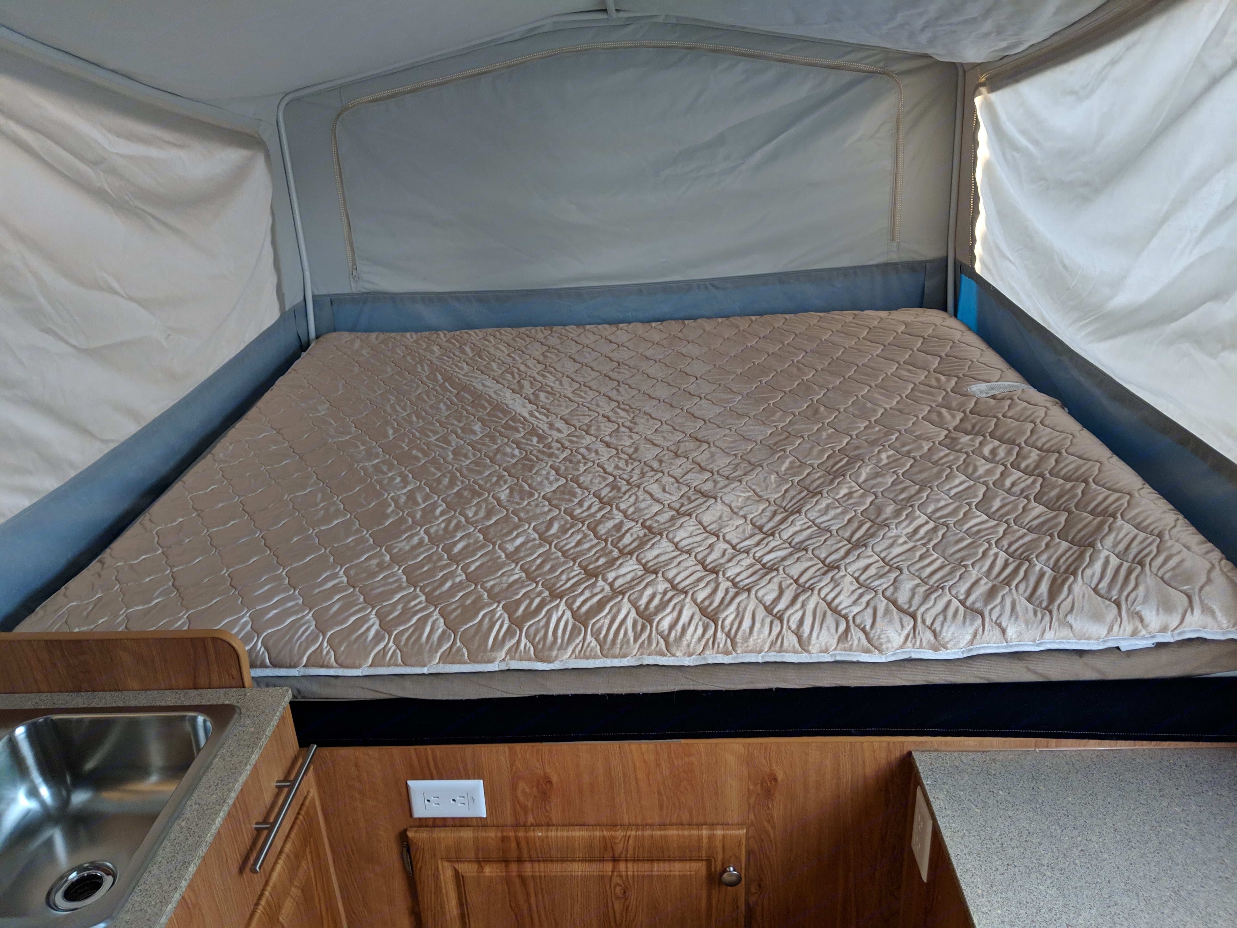 King size Bed. Jayco Jay Series 2008