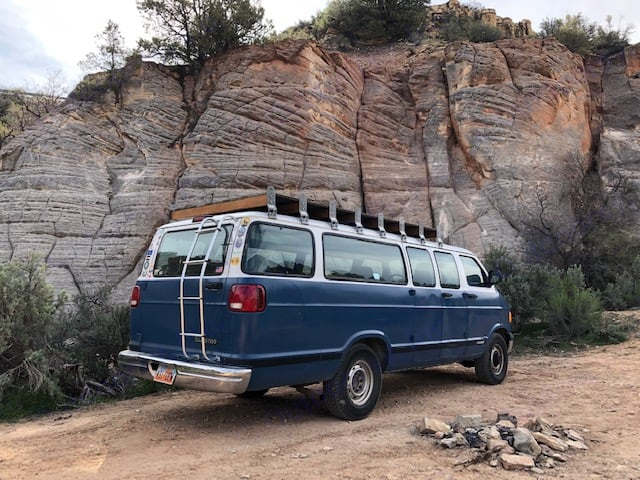 Dodge B Van 2000
