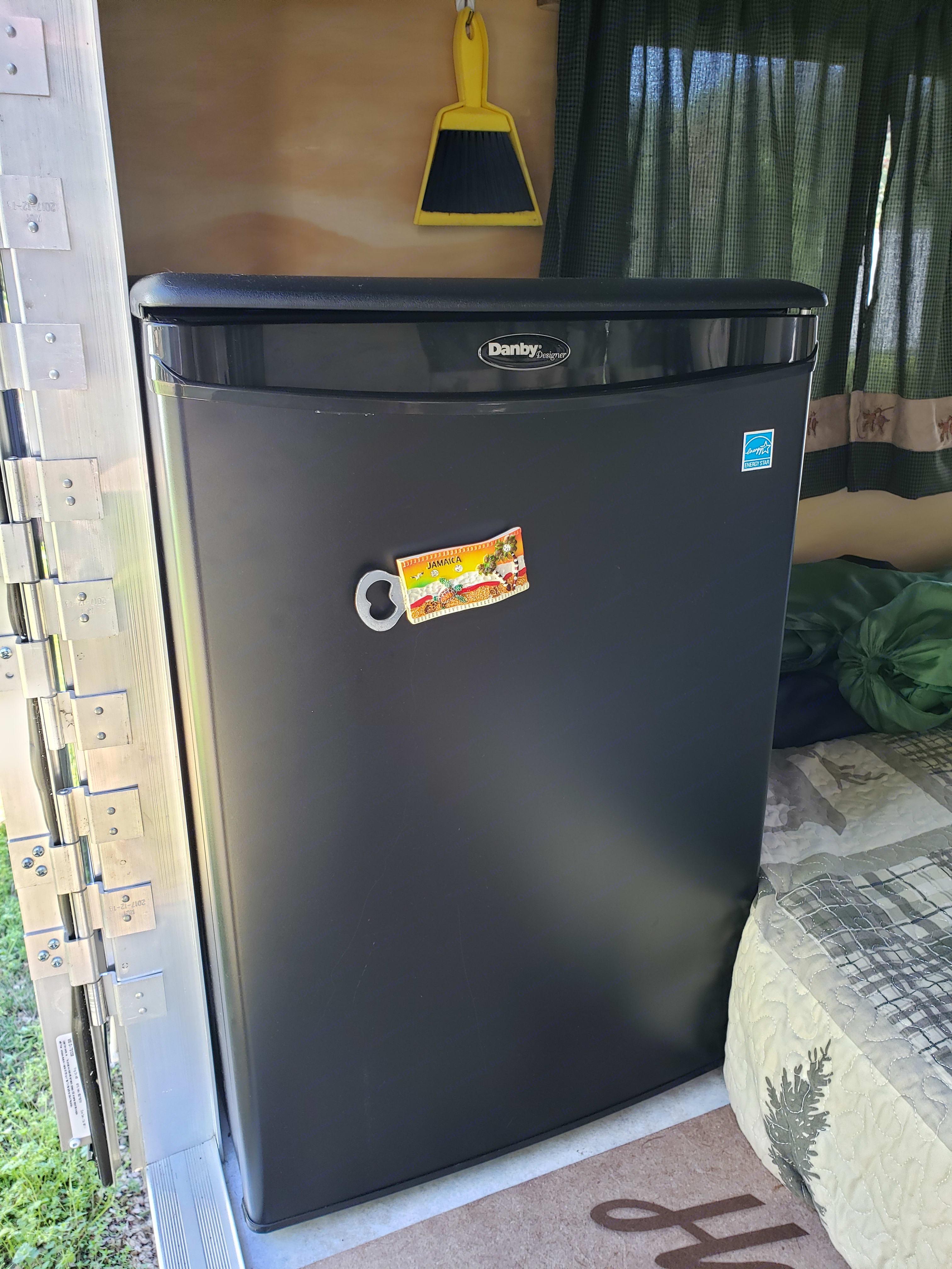 Mini fridge. Runaway Rangerunner 2018