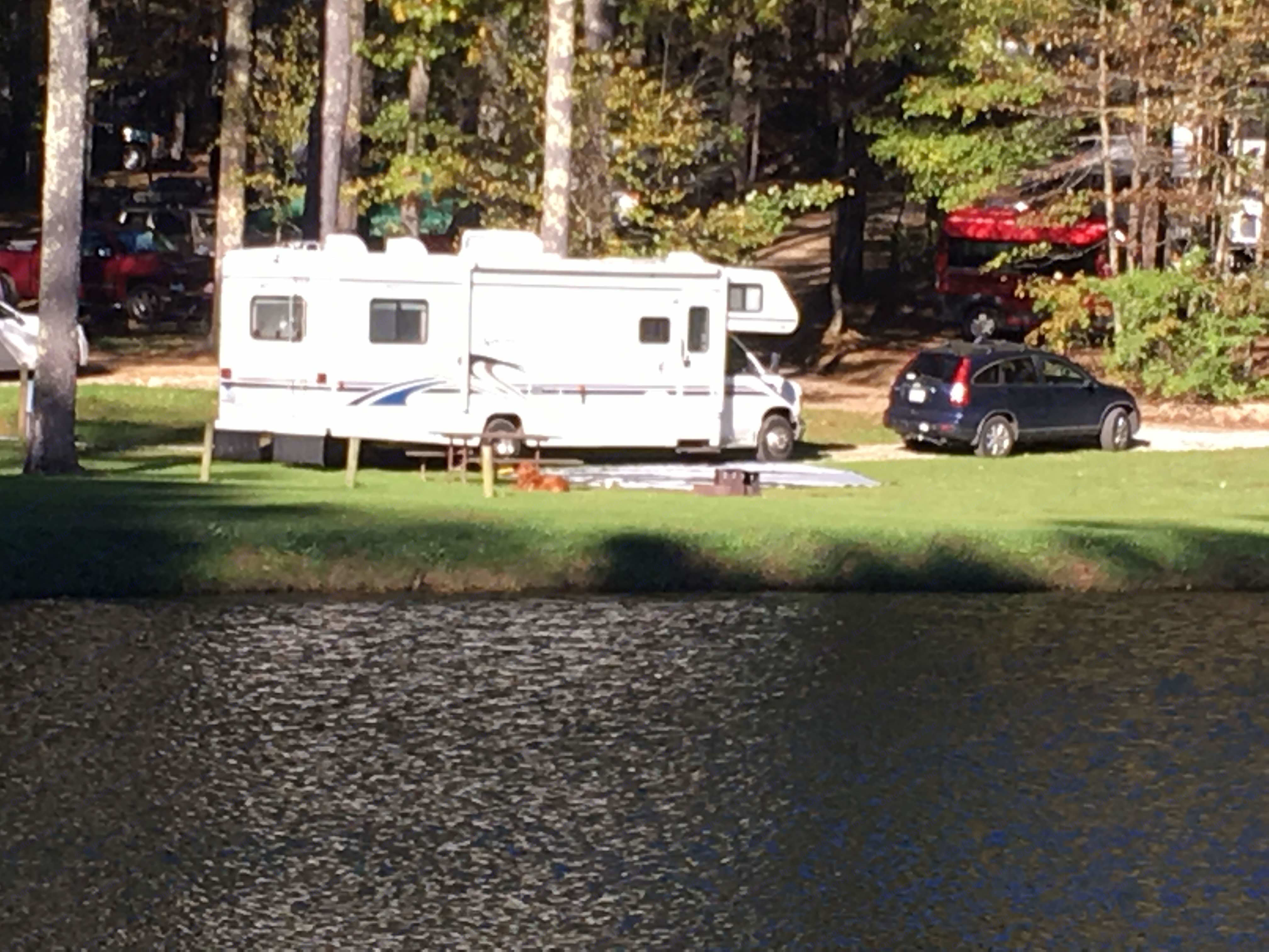Peace and quiet by the lake.. Itasca Spirit 2000