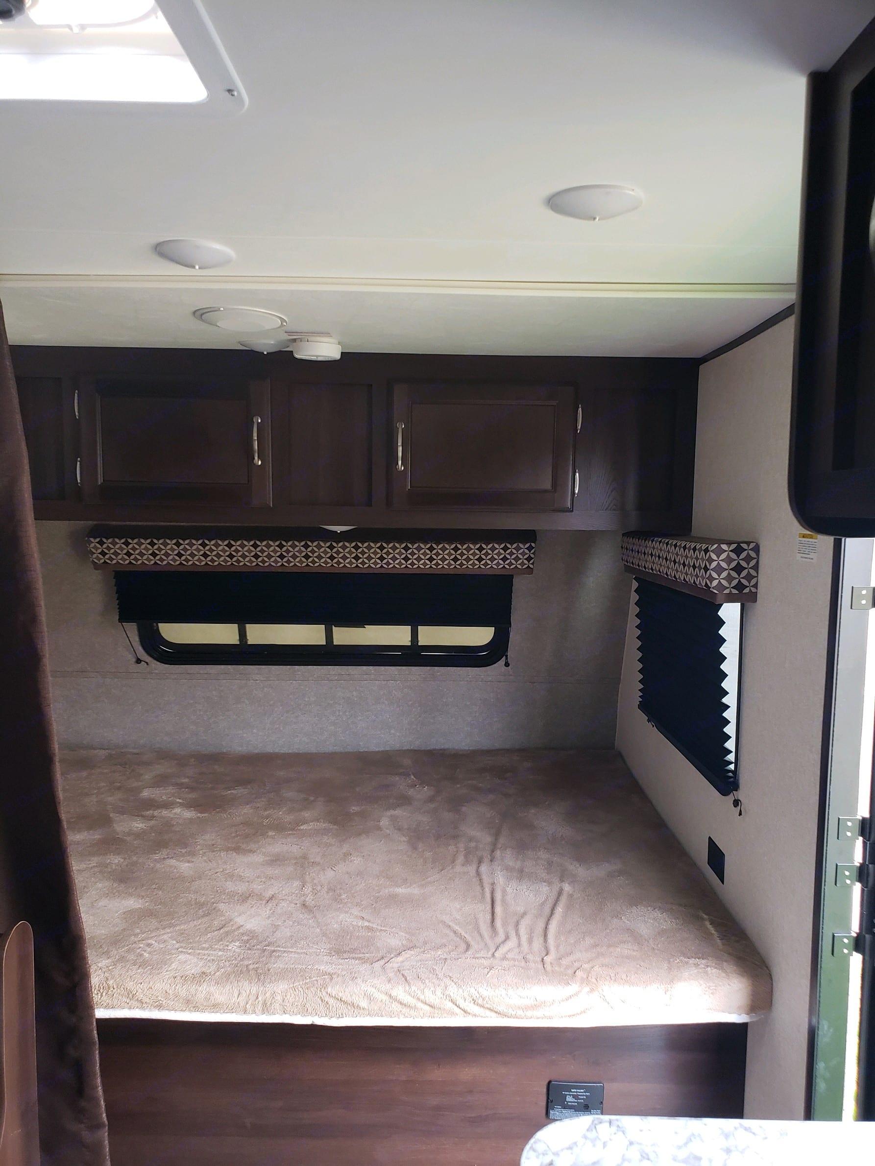 Master bedroom with ac. Jayco Baja Jay Flight bunk house 2018