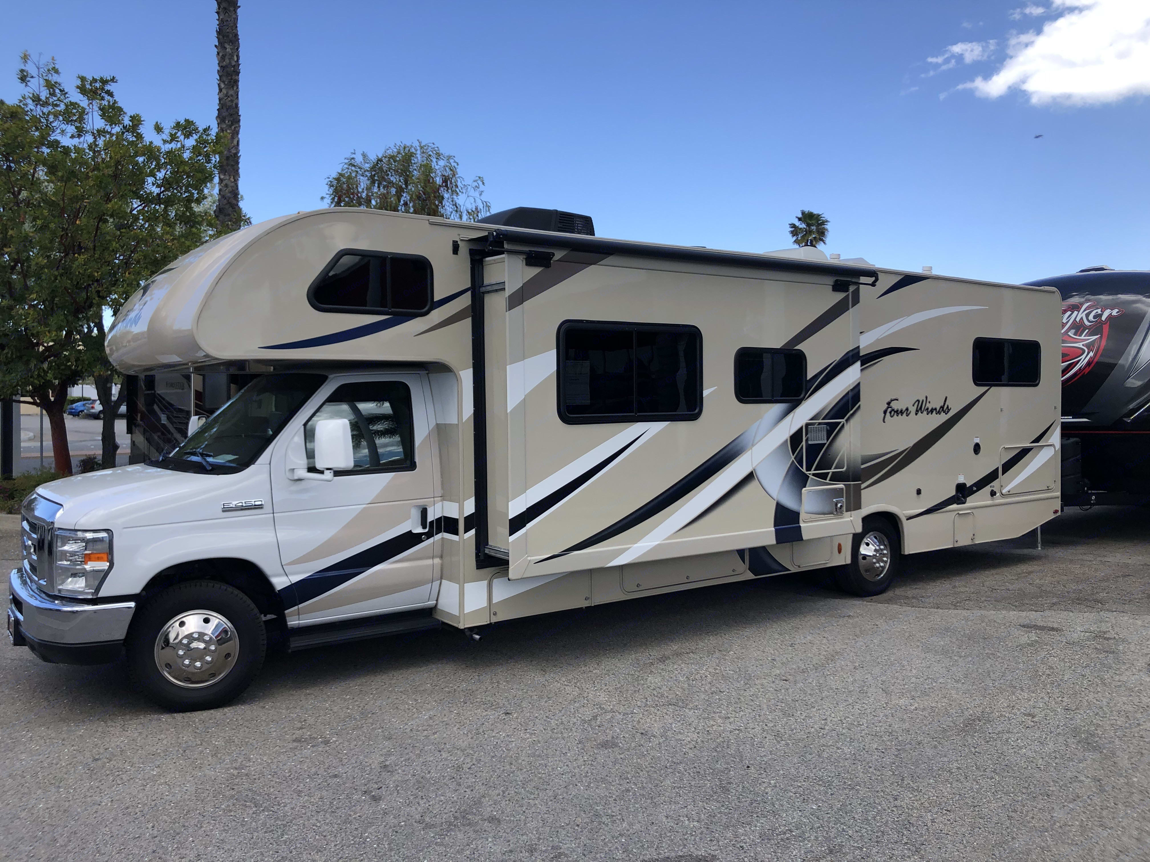 Ace Four Winds 2019 Bunk House. Ford E450 2019