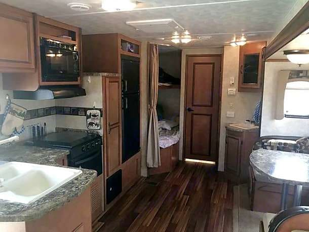 Open and spacious.. Gulf Stream Conquest 2014