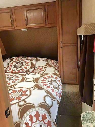 Queen mattress in the bedroom.. Gulf Stream Conquest 2014