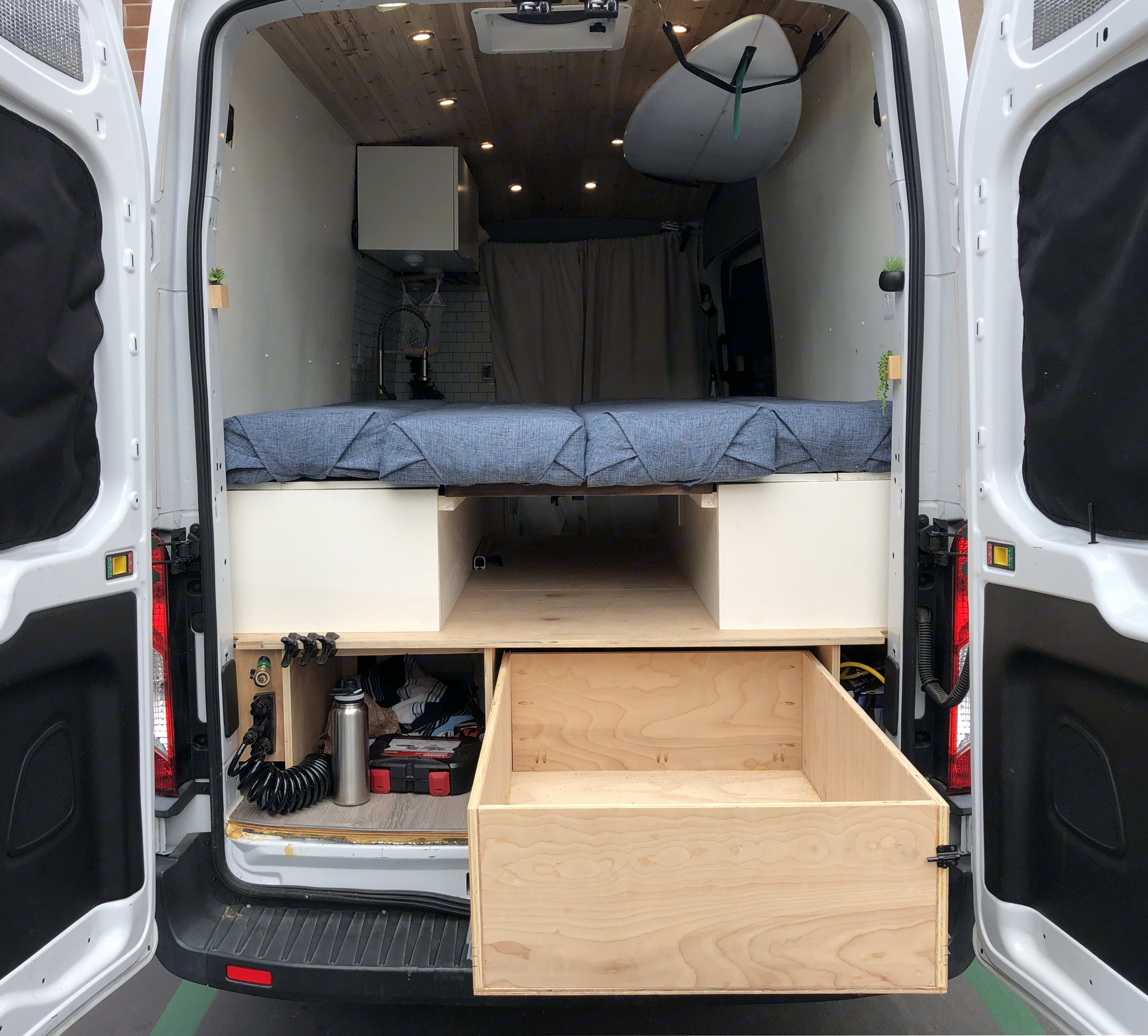 Table converts to bed setup that is larger than a queen.. Ford Transit Custom 2017