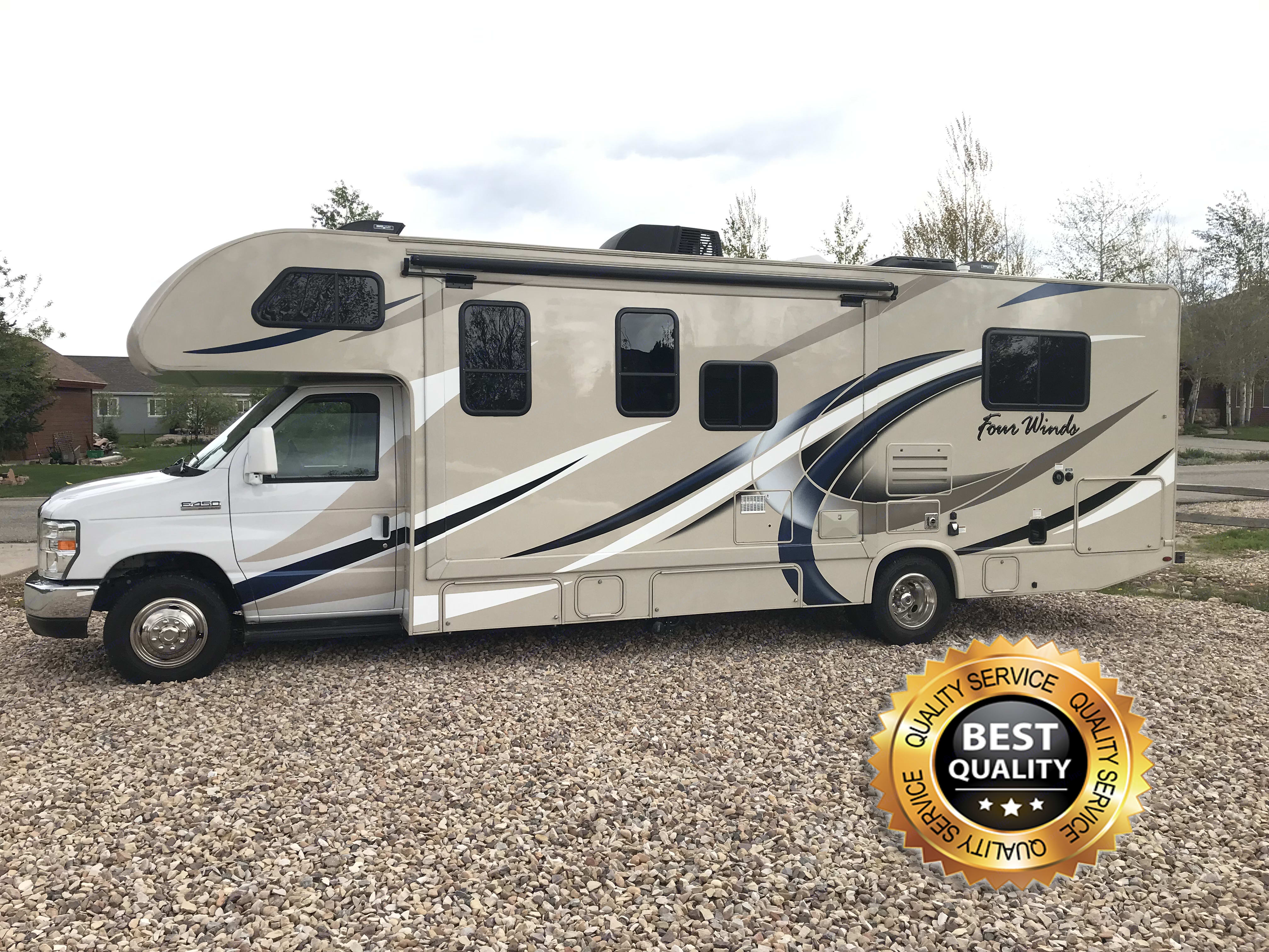 Make your vacation awesome by taking this comfortable, spacious, high-end motor home!. Thor Motor Coach Four Winds 2018
