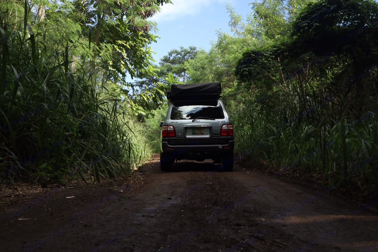 """""""The King K"""" rig packed up and ready to explore.. Lexus LX 470 2002"""