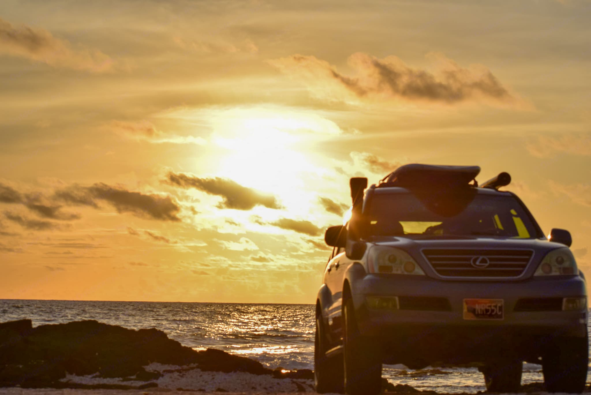 Amazing ocean sunsets in your rig. Lexus GX 470 2005