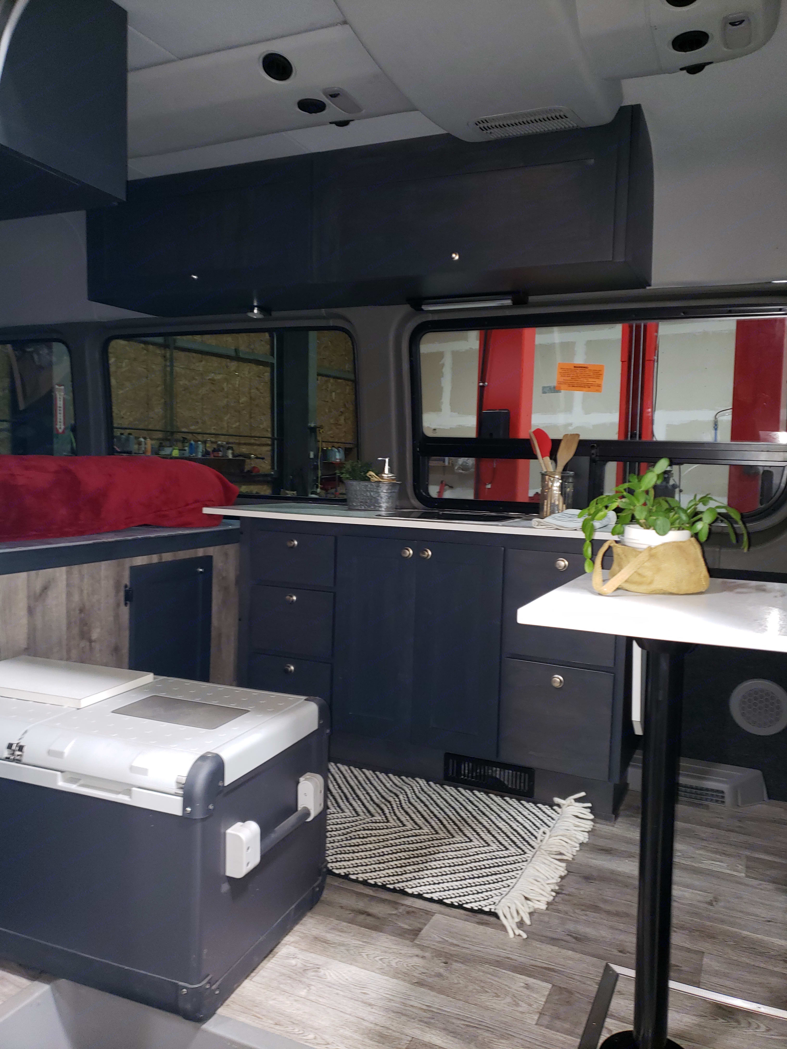 Fridge, Cabinets, Sink, Table, basic cooking supplies. . Mercedes-Benz Sprinter 2013