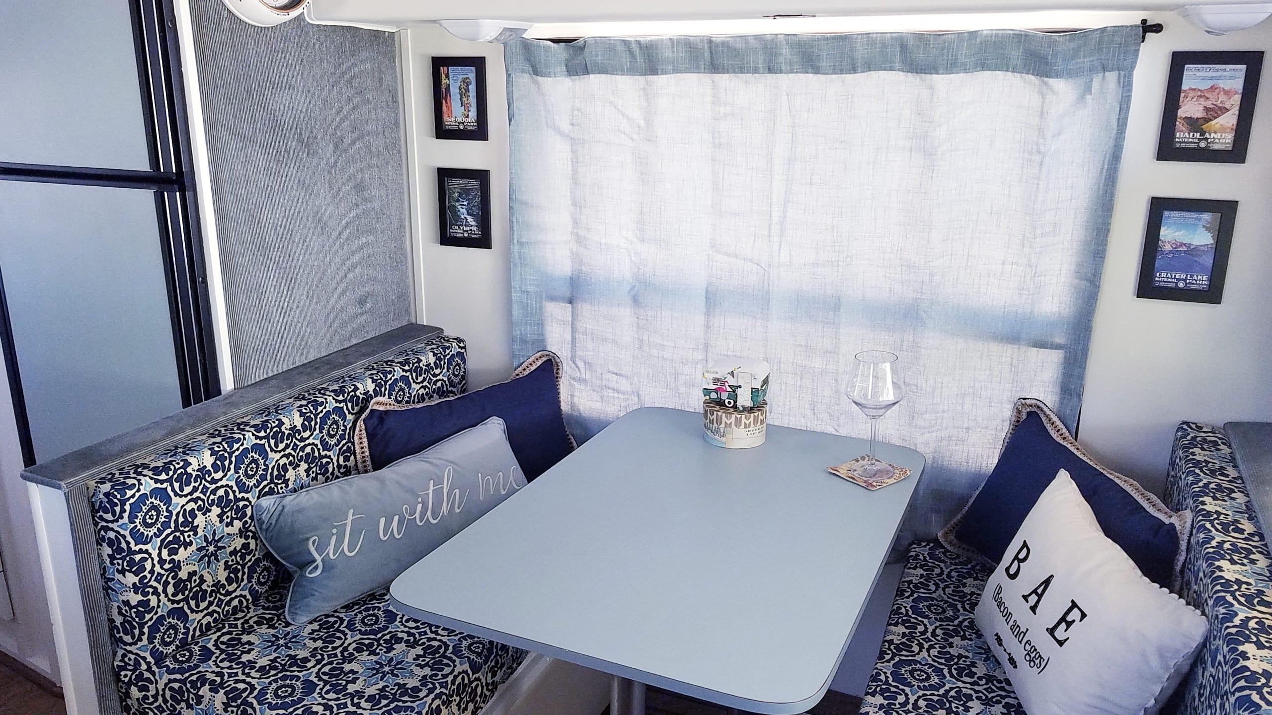 New cushions and curtains . Ford Mallard 1989