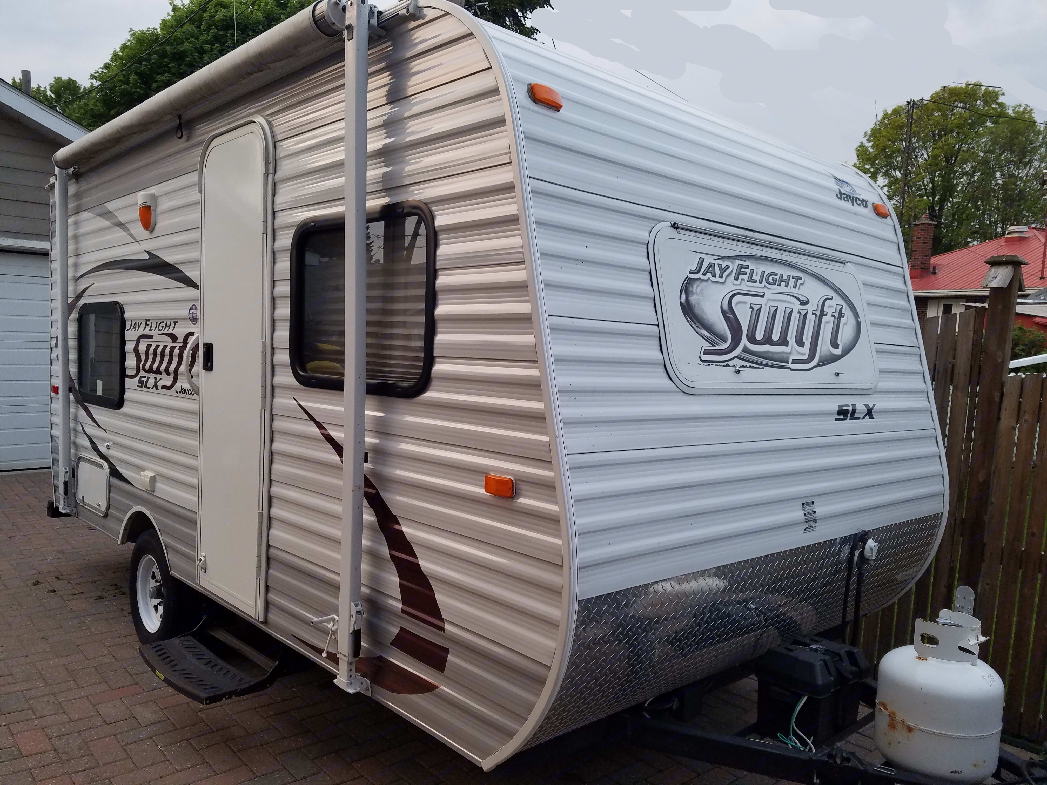 The Perfect size - for towing - for family camping. Jayco Jay Flight Swift 2014