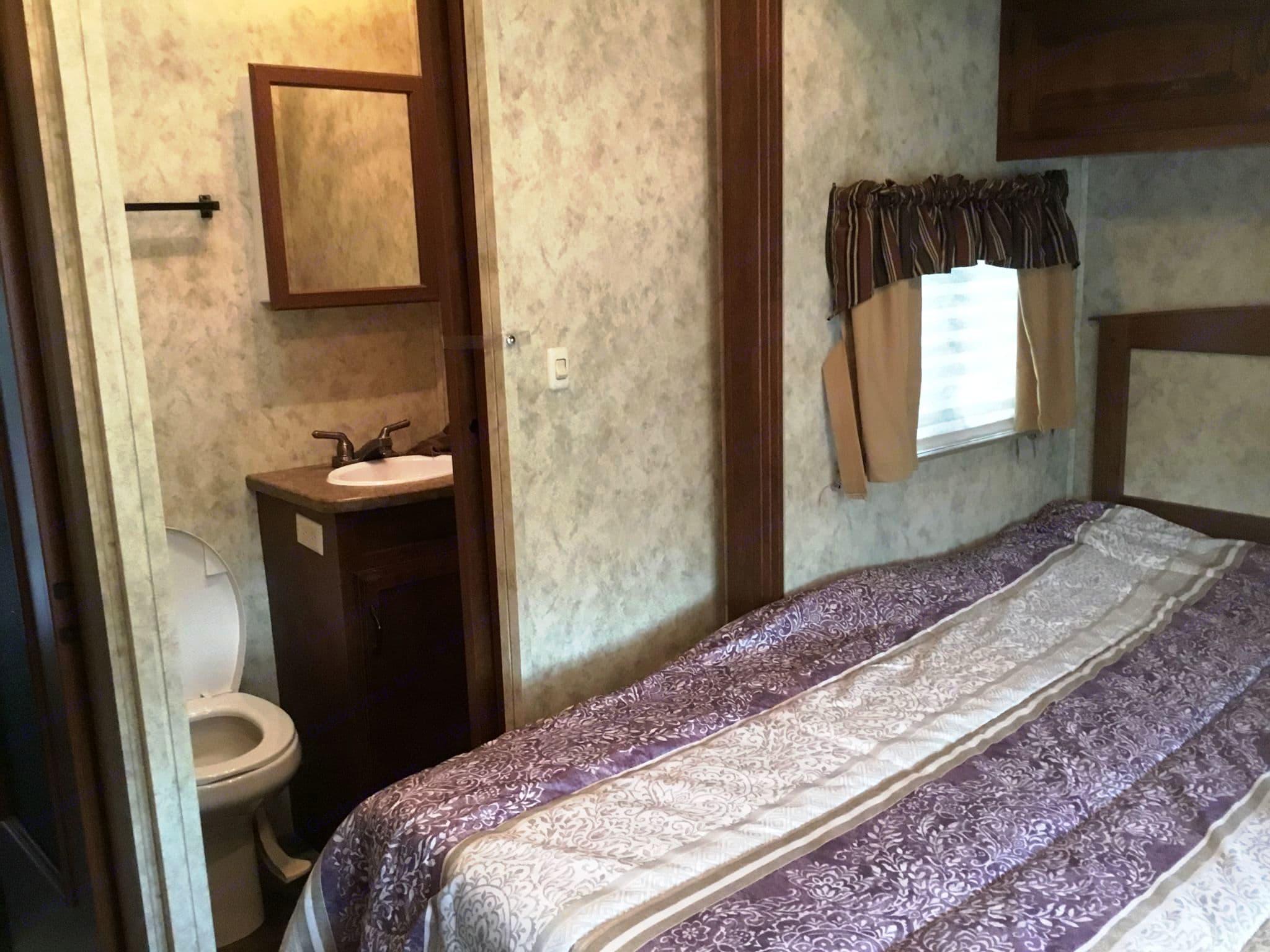 Master Bedroom. Coachmen Chaparral 2011