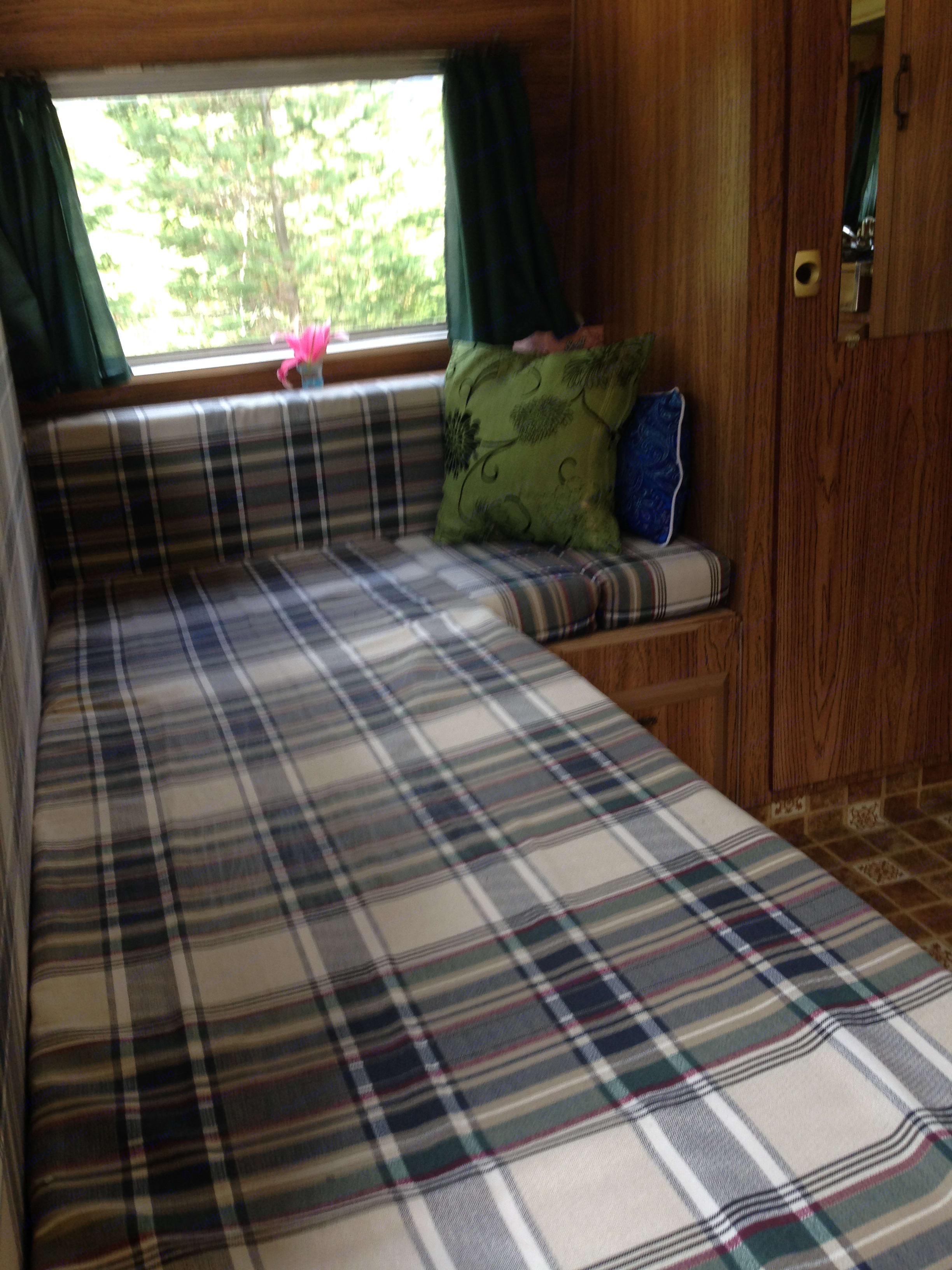 Fold out bed new foam very comfy . Featherlight Trailers Other 1976