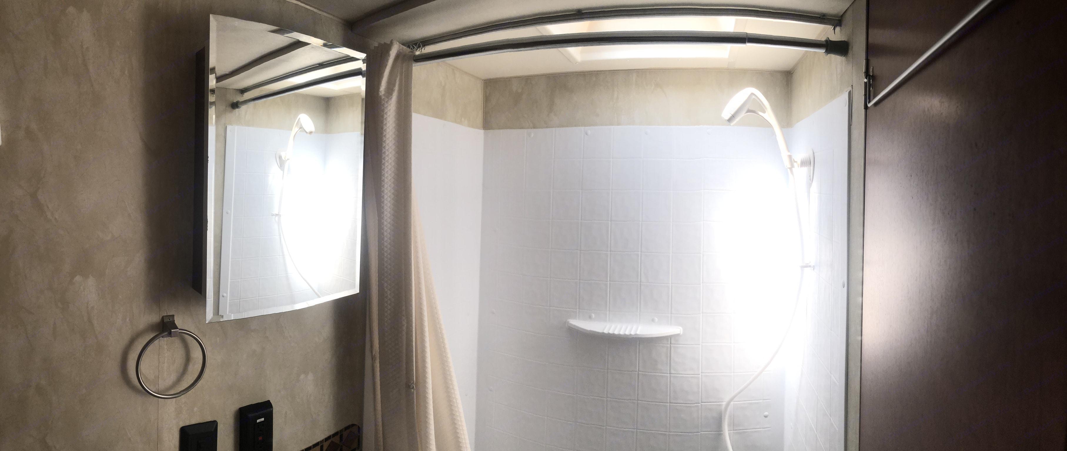 Shower. Northwood Mfg Nash 2015