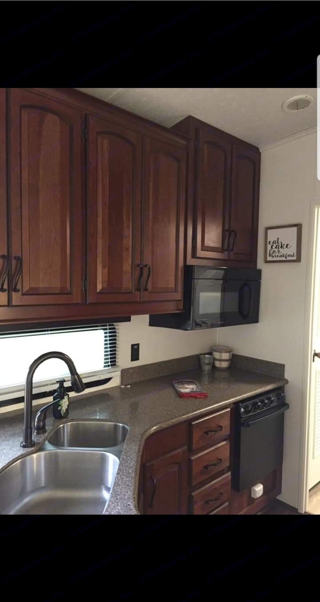 Kitchen. Keystone Montana 2014