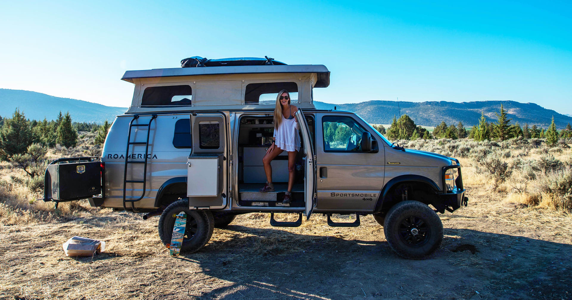 """Setting up camp has never been easier! 4wd Campervan with 6'8"""" of standing room.. Ford Econoline 2008"""