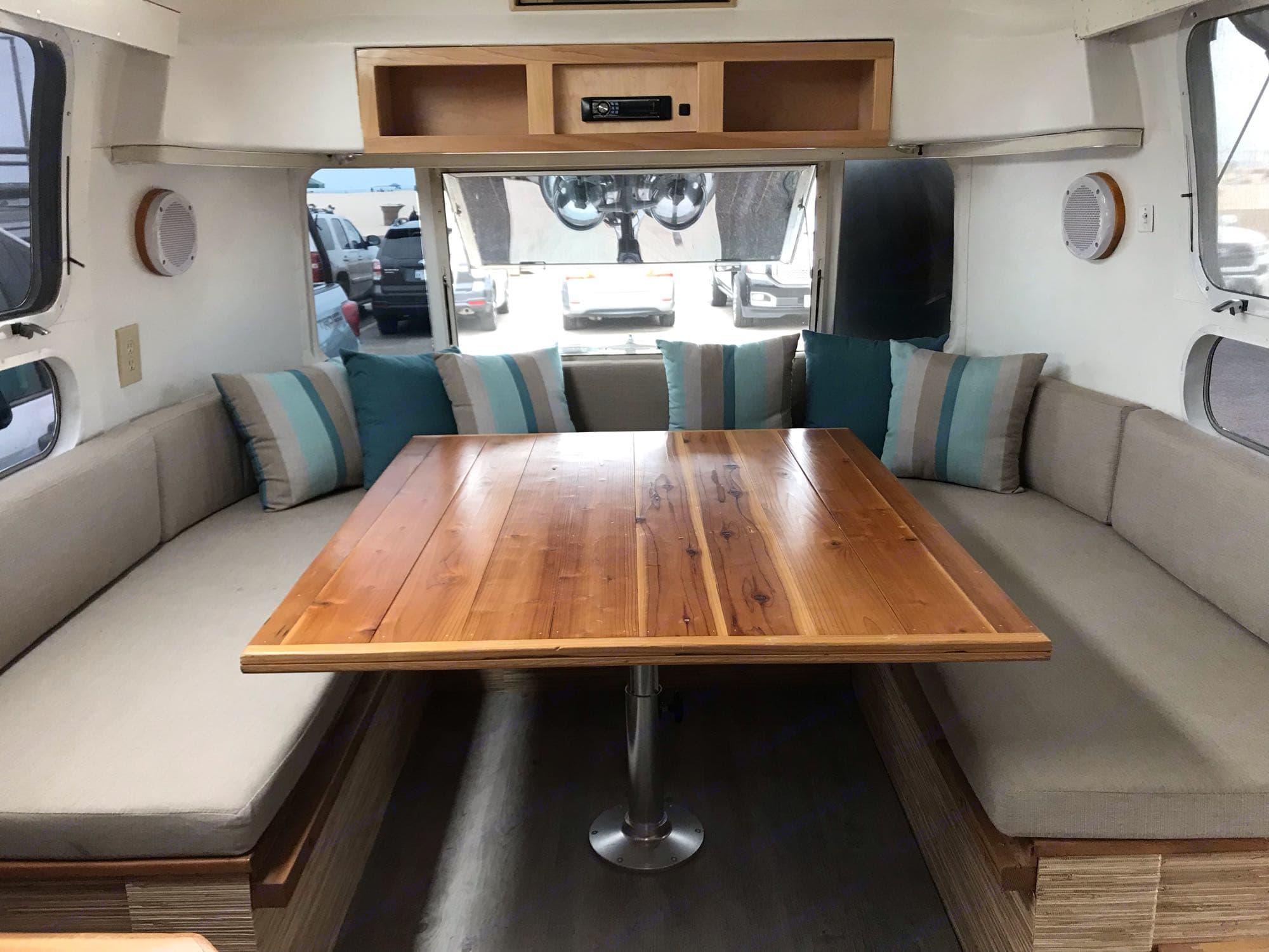 Airstream Classic 1971