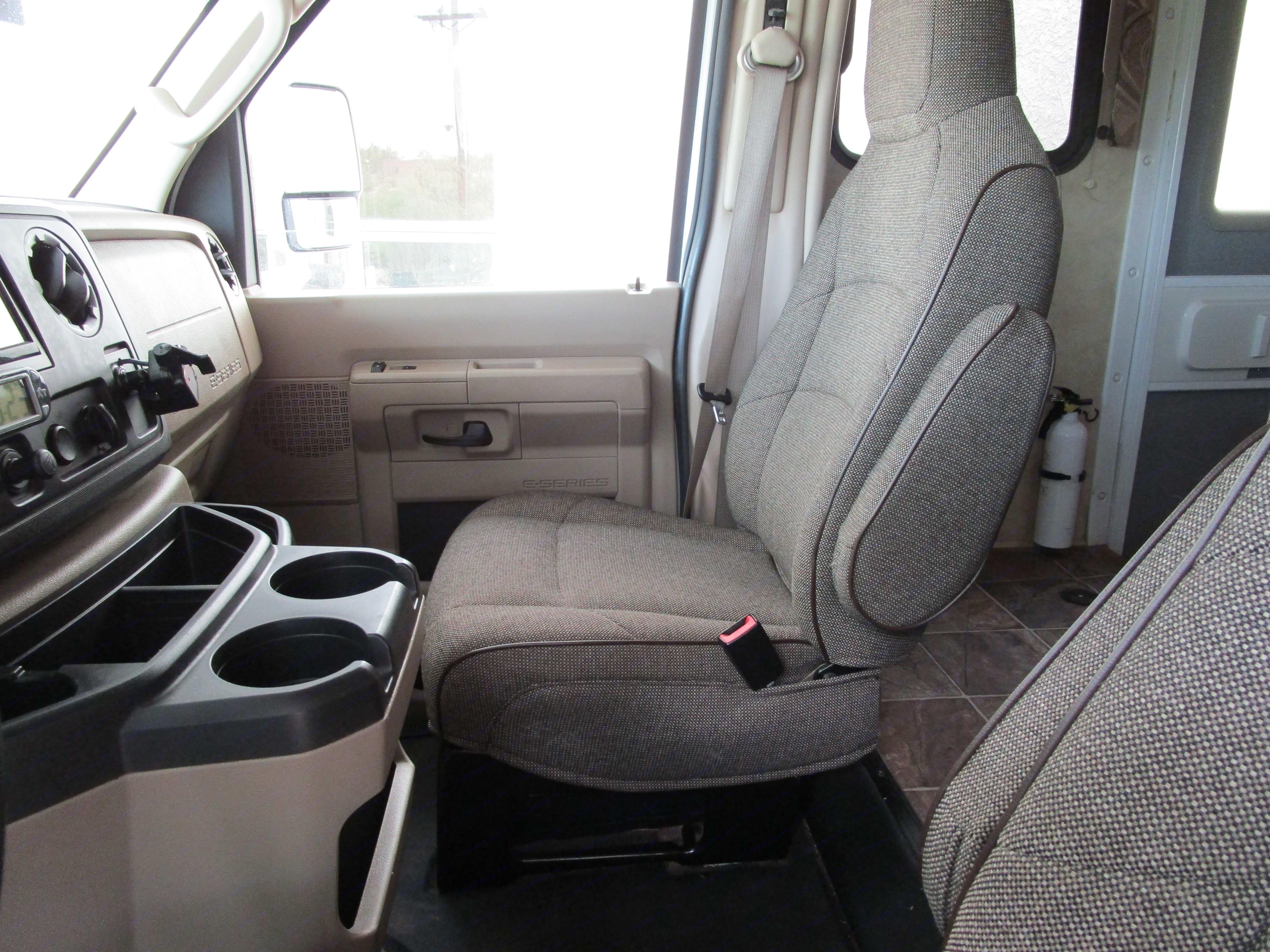 Comfortable cloth seats.. Thor Motor Coach Four Winds 2013