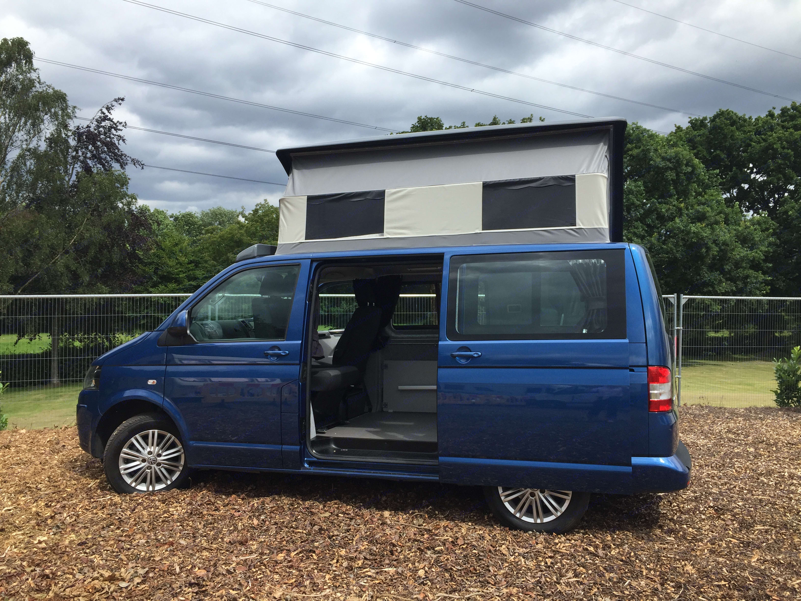 Harvey side view with elevating roof.. Volkswagen Camper 2015