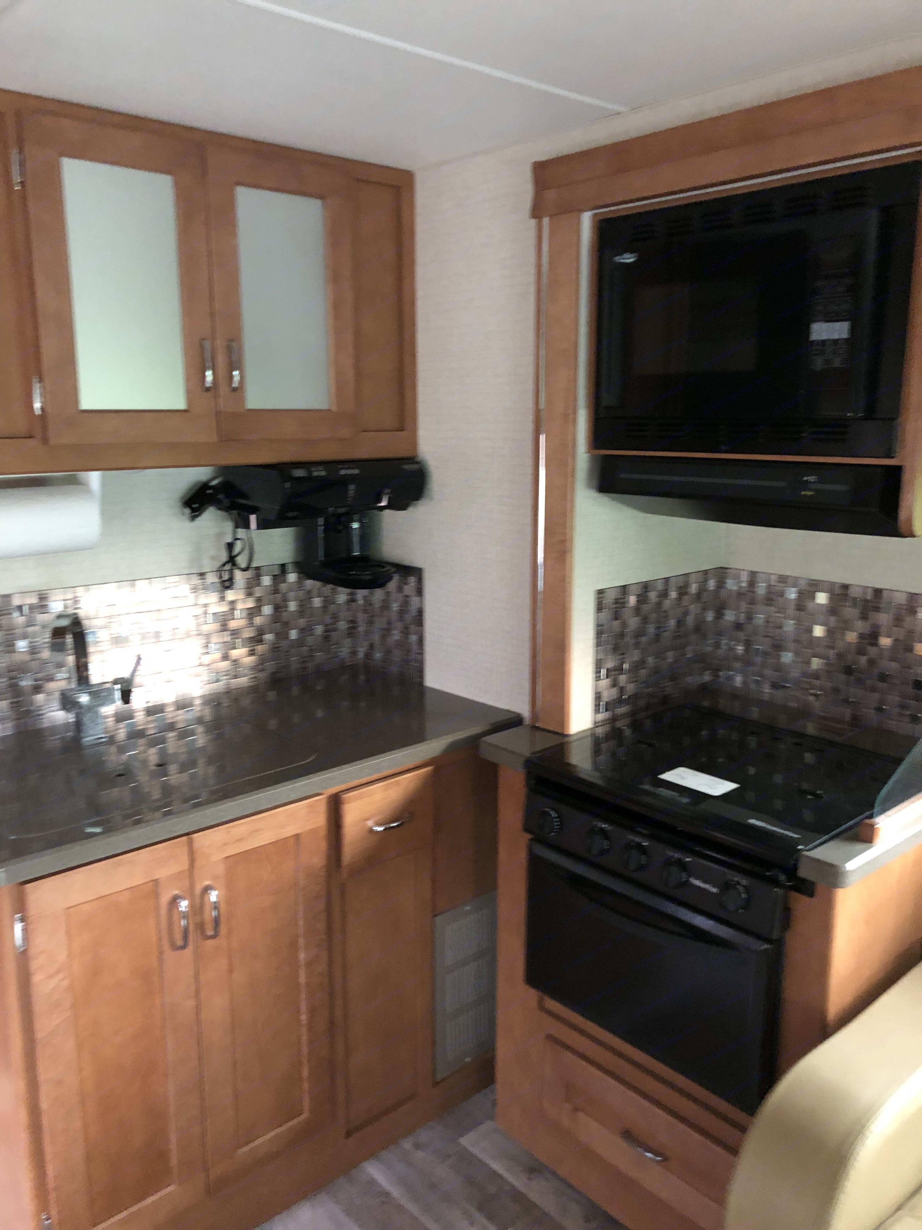 Kitchen. Winnebago Minnie Winnie 2018