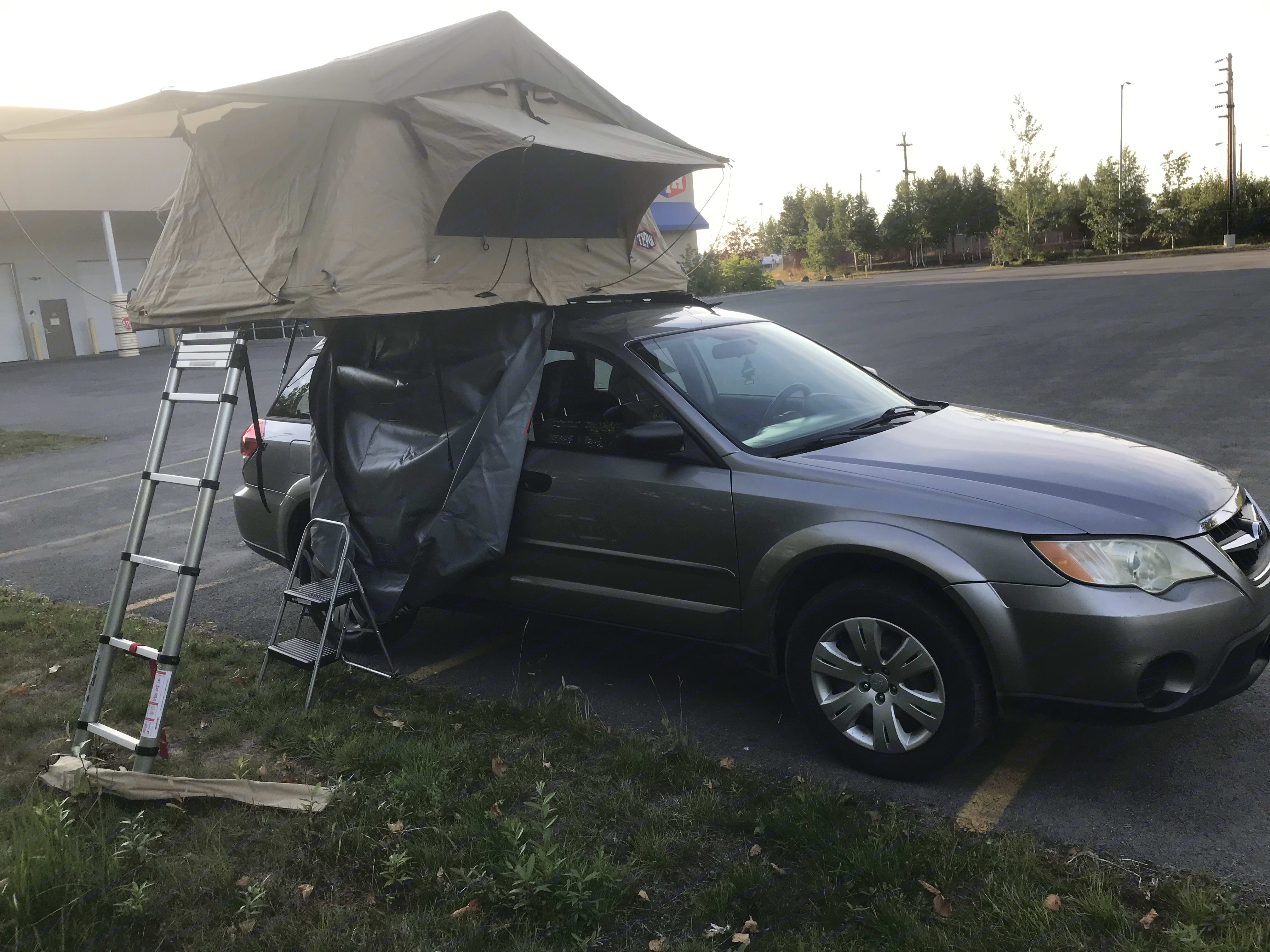 Roof top tent Passenger side. Subaru FORESTER 2009