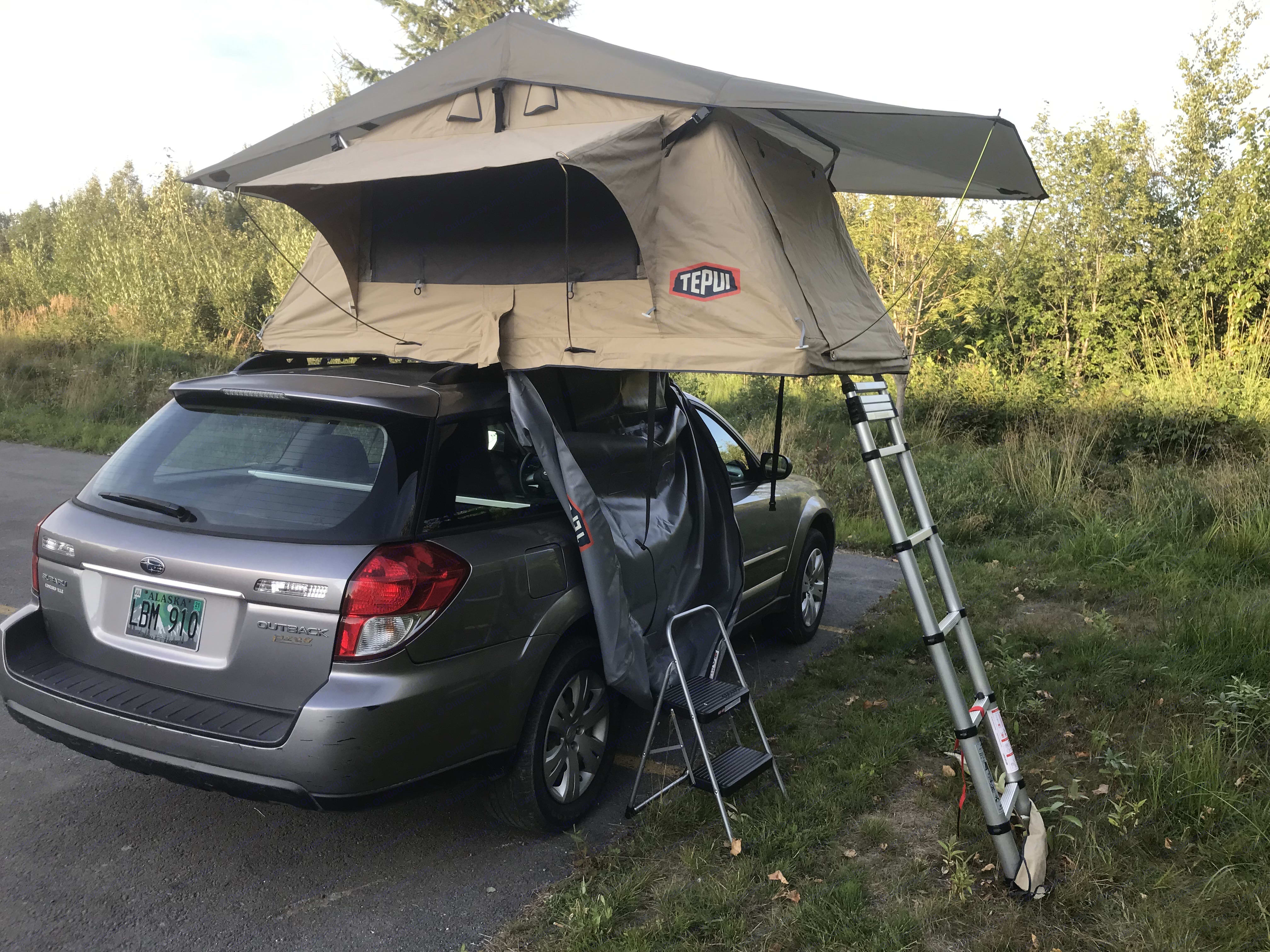 Roof top tent initial set up . Subaru FORESTER 2009