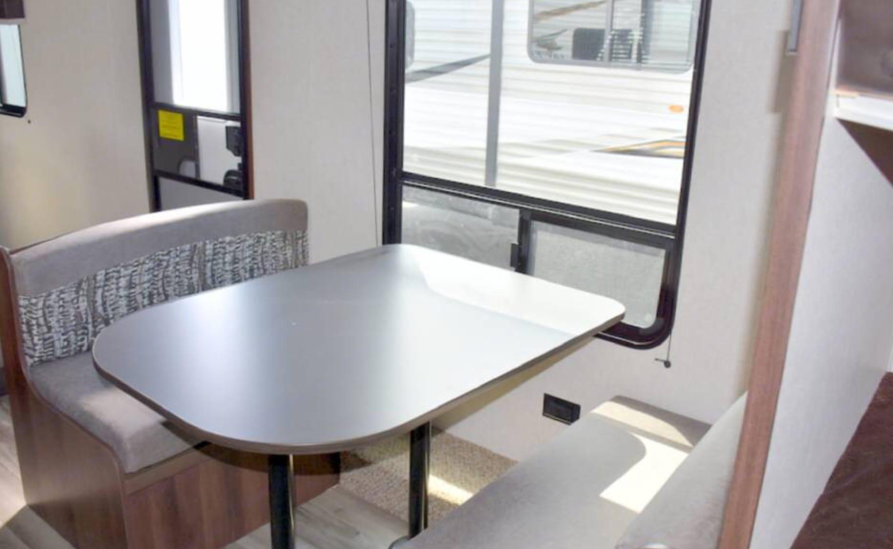 Dining table sets 4. Jayco Jay Flight 2019