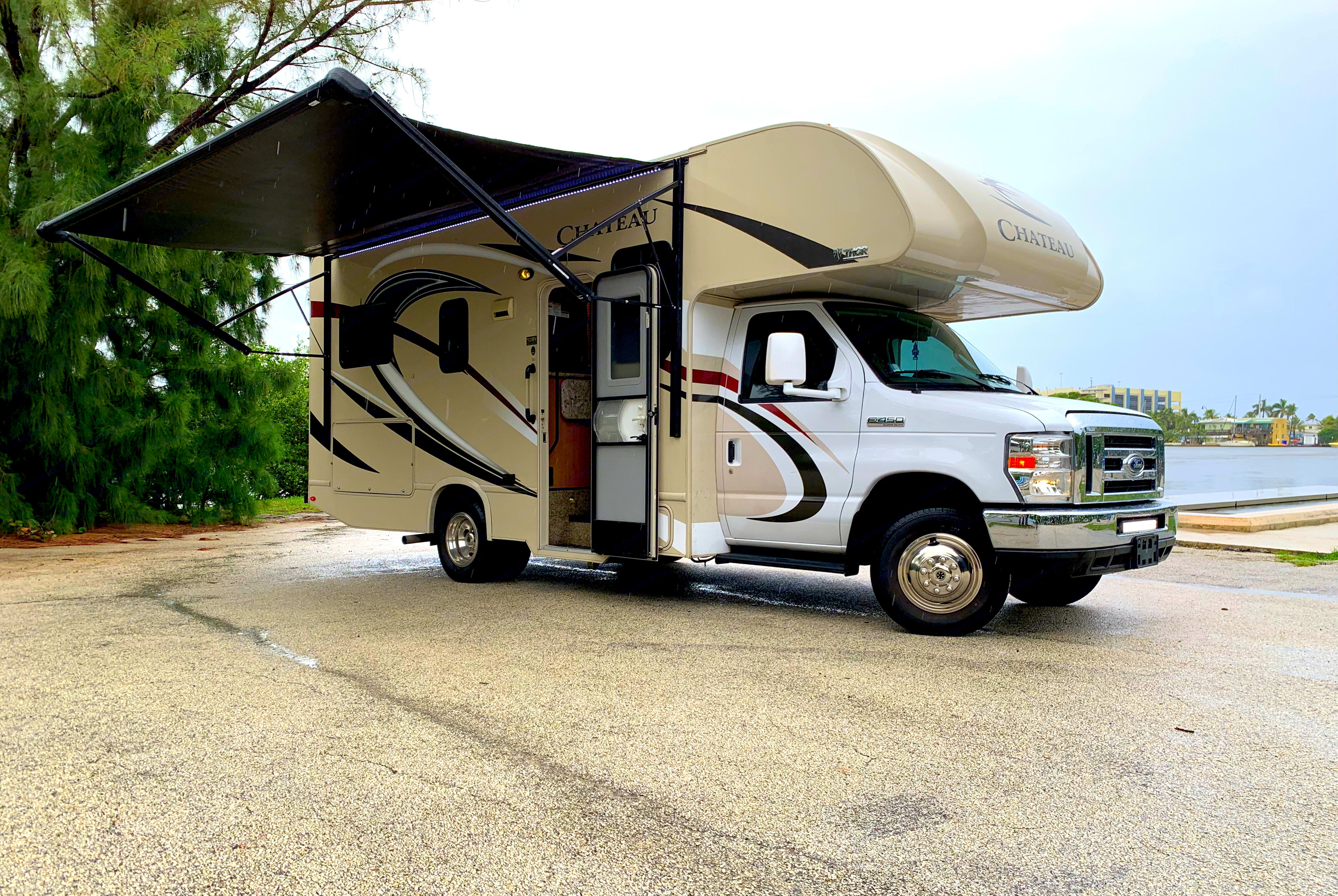 Fully loaded and and ready to set up at any location in just minutes.. Thor Motor Coach Chateau 2017