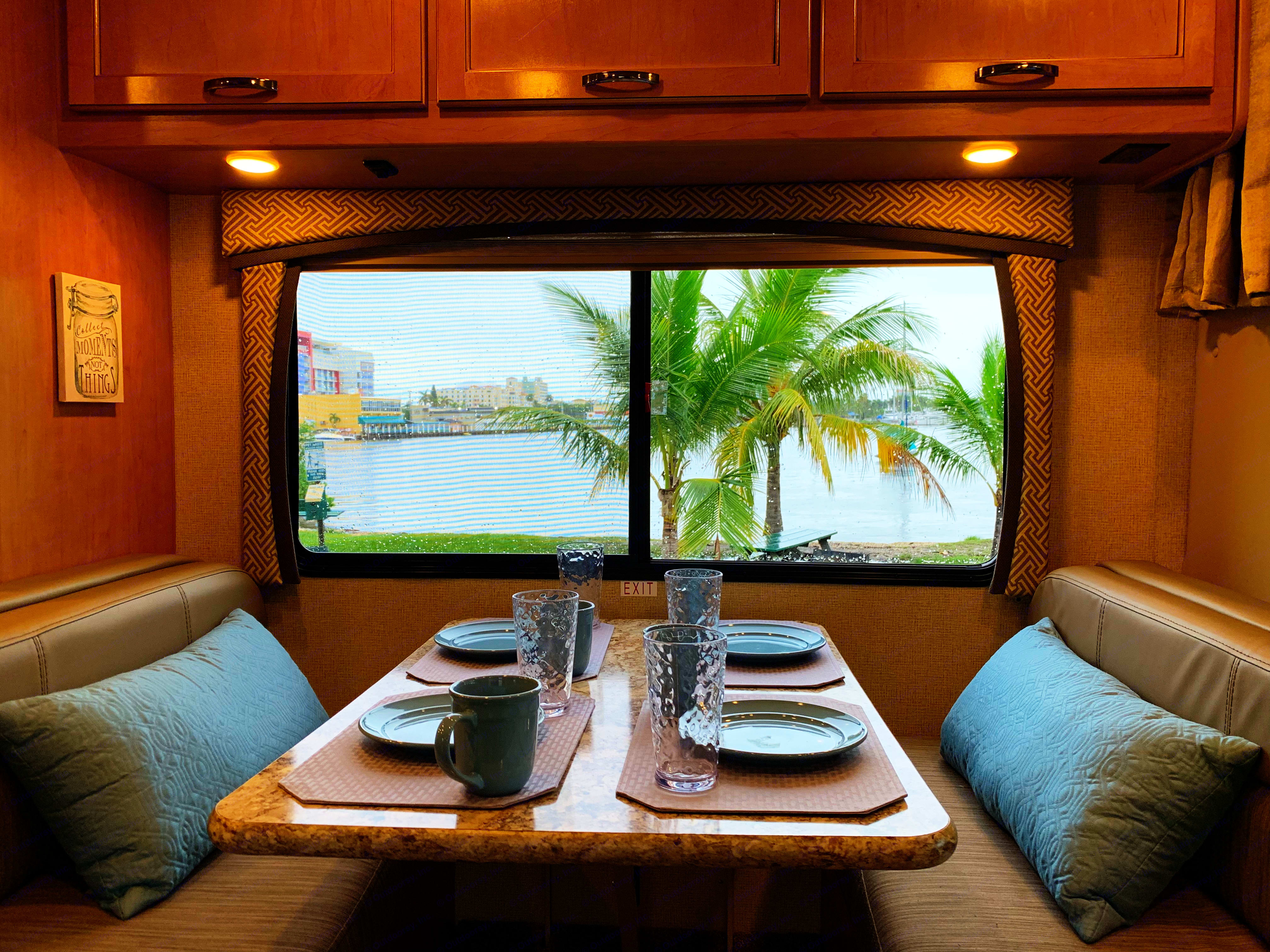 Enjoy your meals in luxury just about anywhere.. Thor Motor Coach Chateau 2017