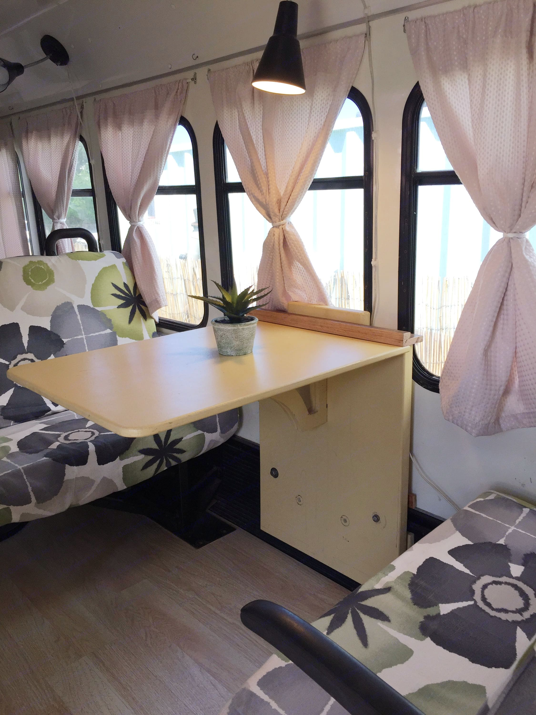 Dining and sitting area. Ford Ford E350 2008