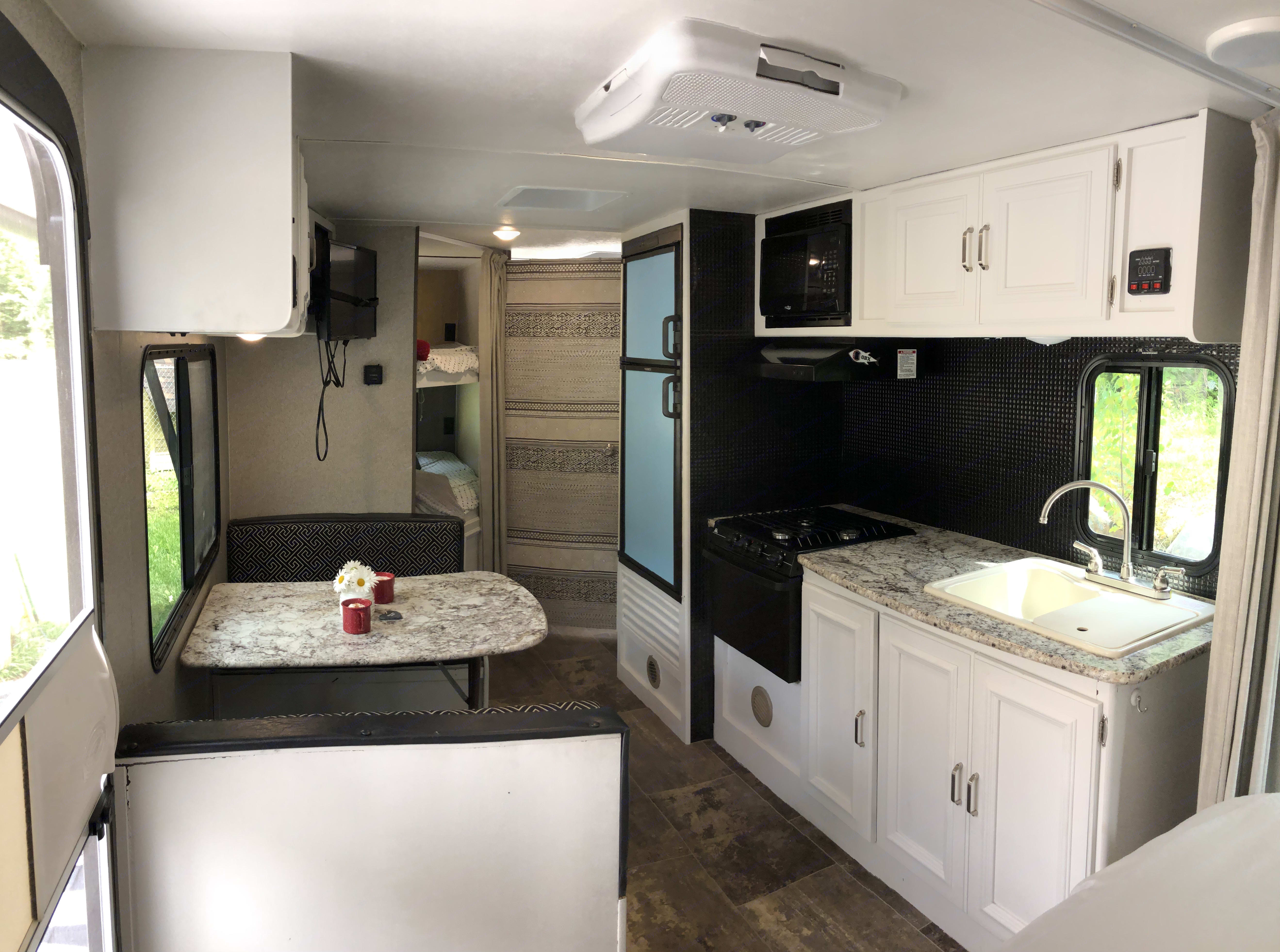Very clean and cosy. Keystone Passport 2018
