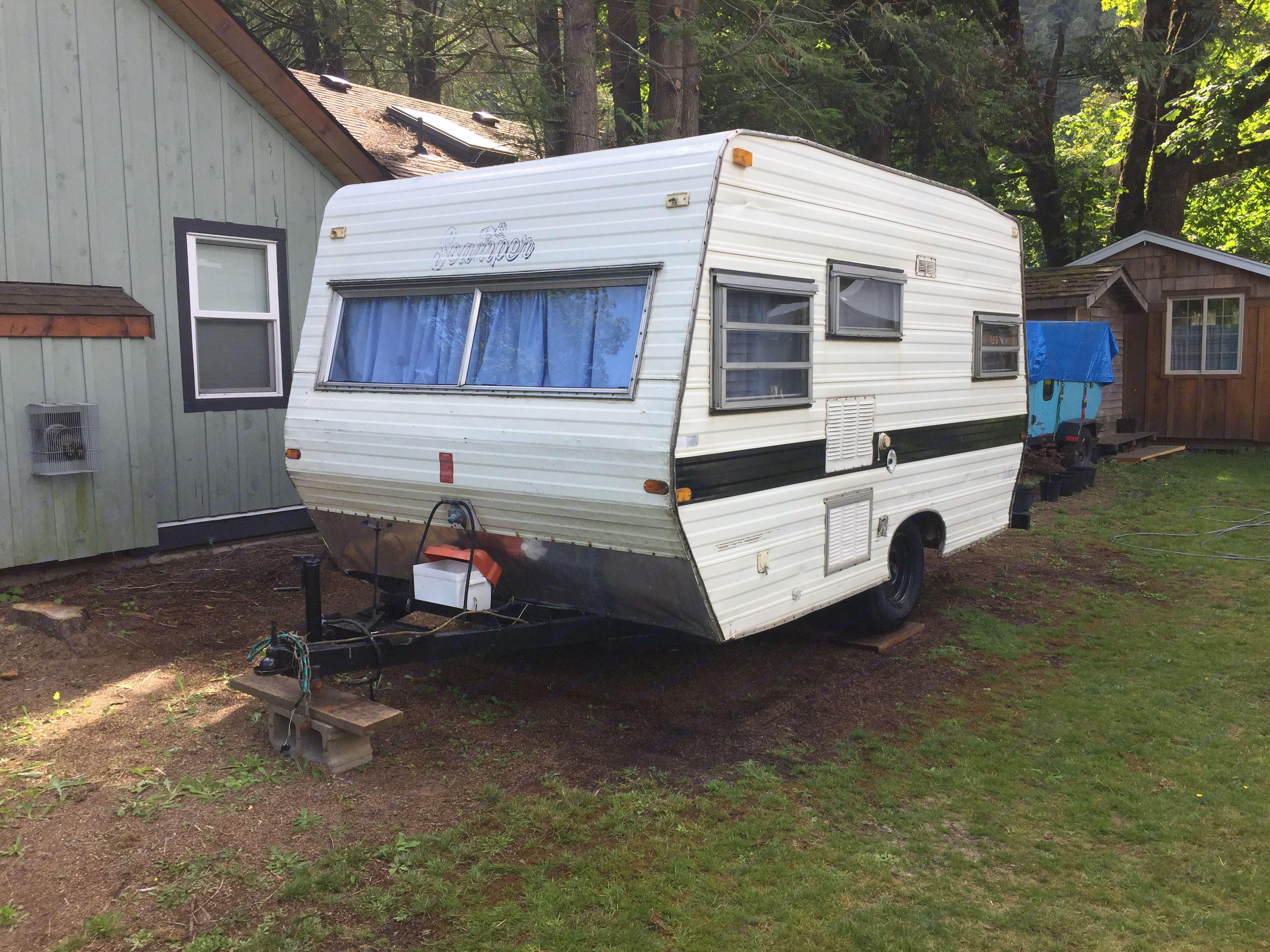 front and side of camper. . Scamper Scamper 1962