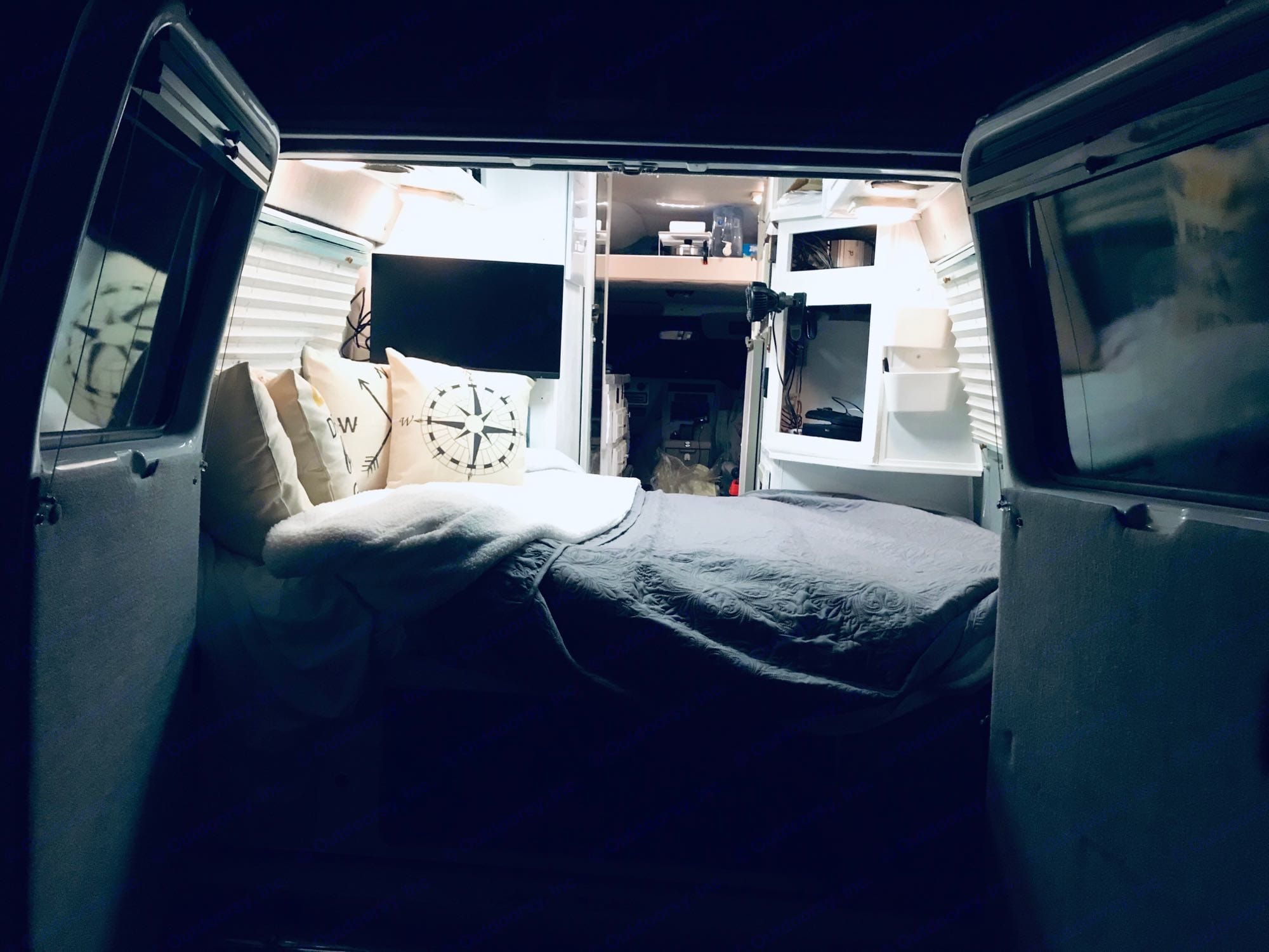 Sleep in the full sized bed with the back open to the cool evening air! Or, cuddle up inside and turn on the furnace!. Chevrolet G30 1994