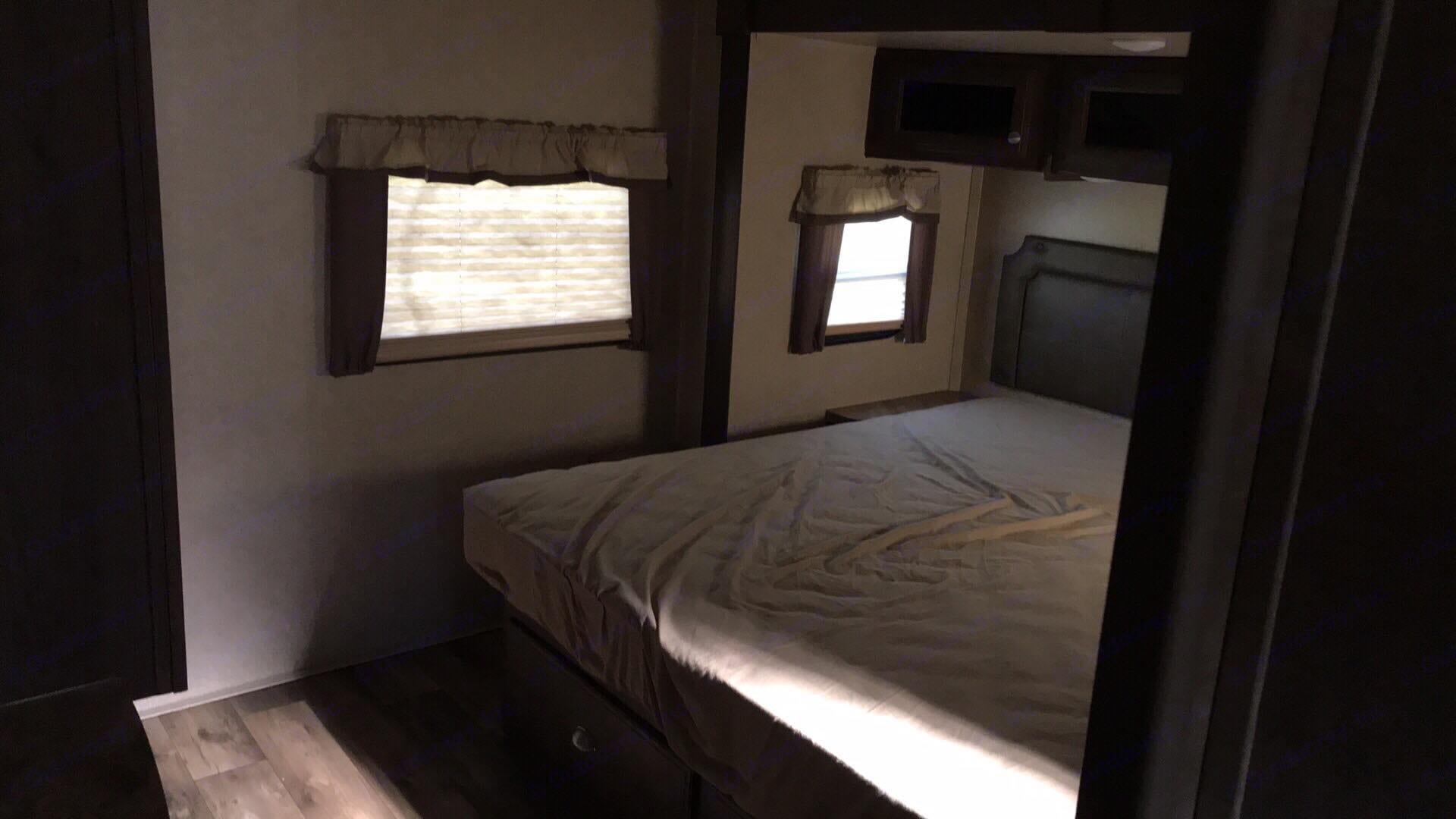 King Size Tempurpedic Bed!. Flagstaff Classic Super Lite 2018