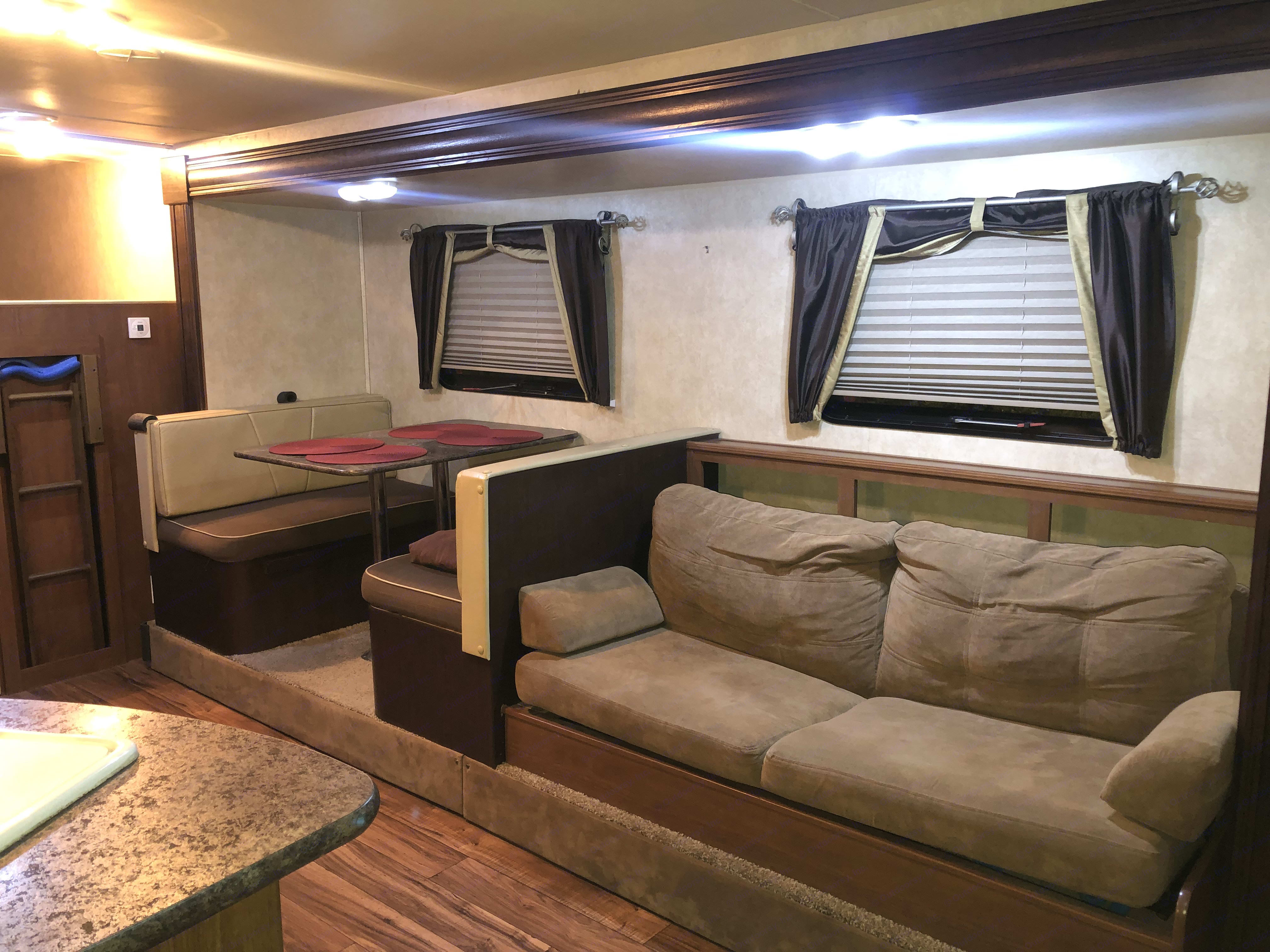 Sofa Bed, sleeps 1.. Forest River Salem Cruise Lite 2016