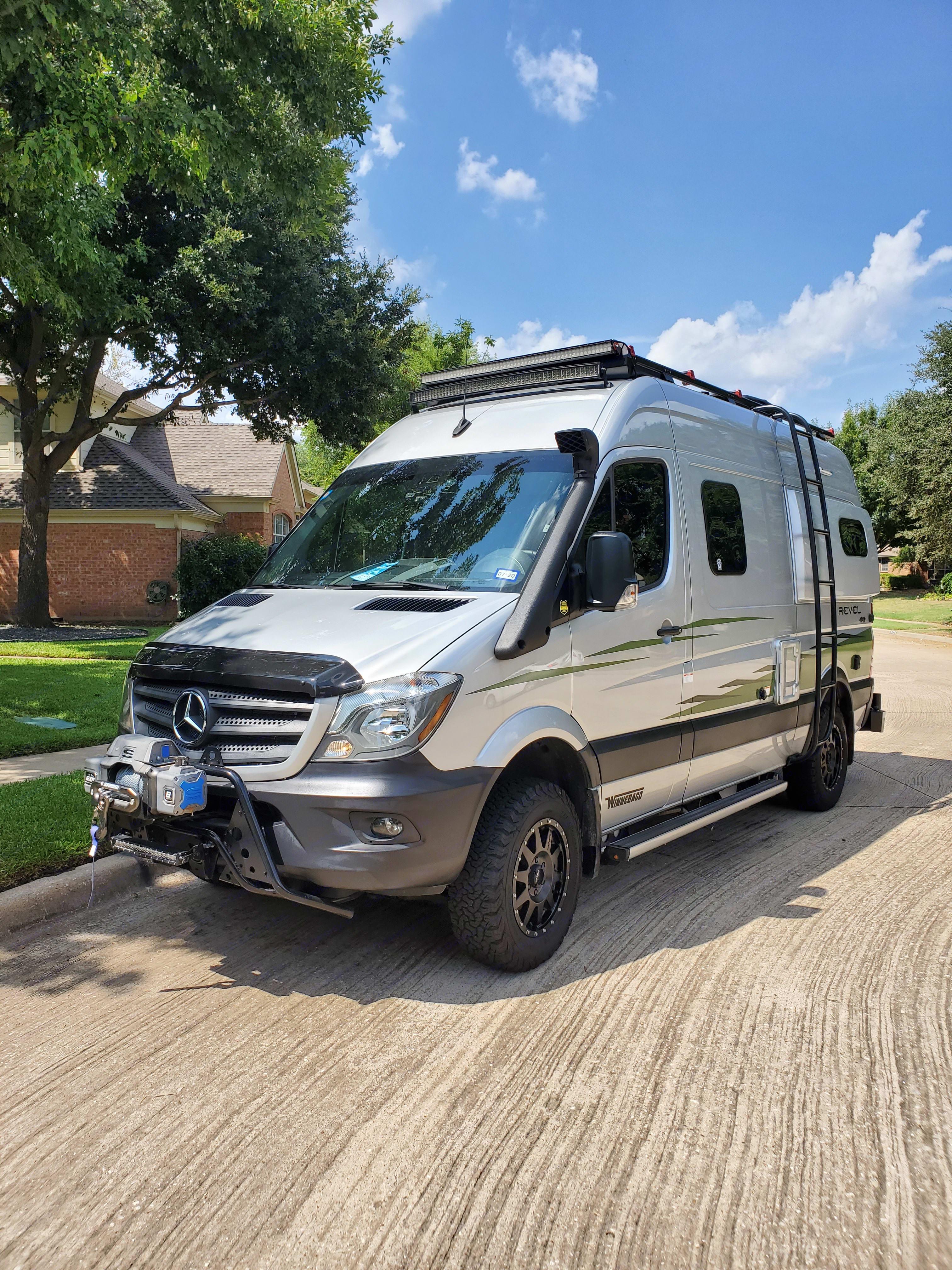Offroad 4x4 Adventure Van. Winnebago Revel 4x4 2019