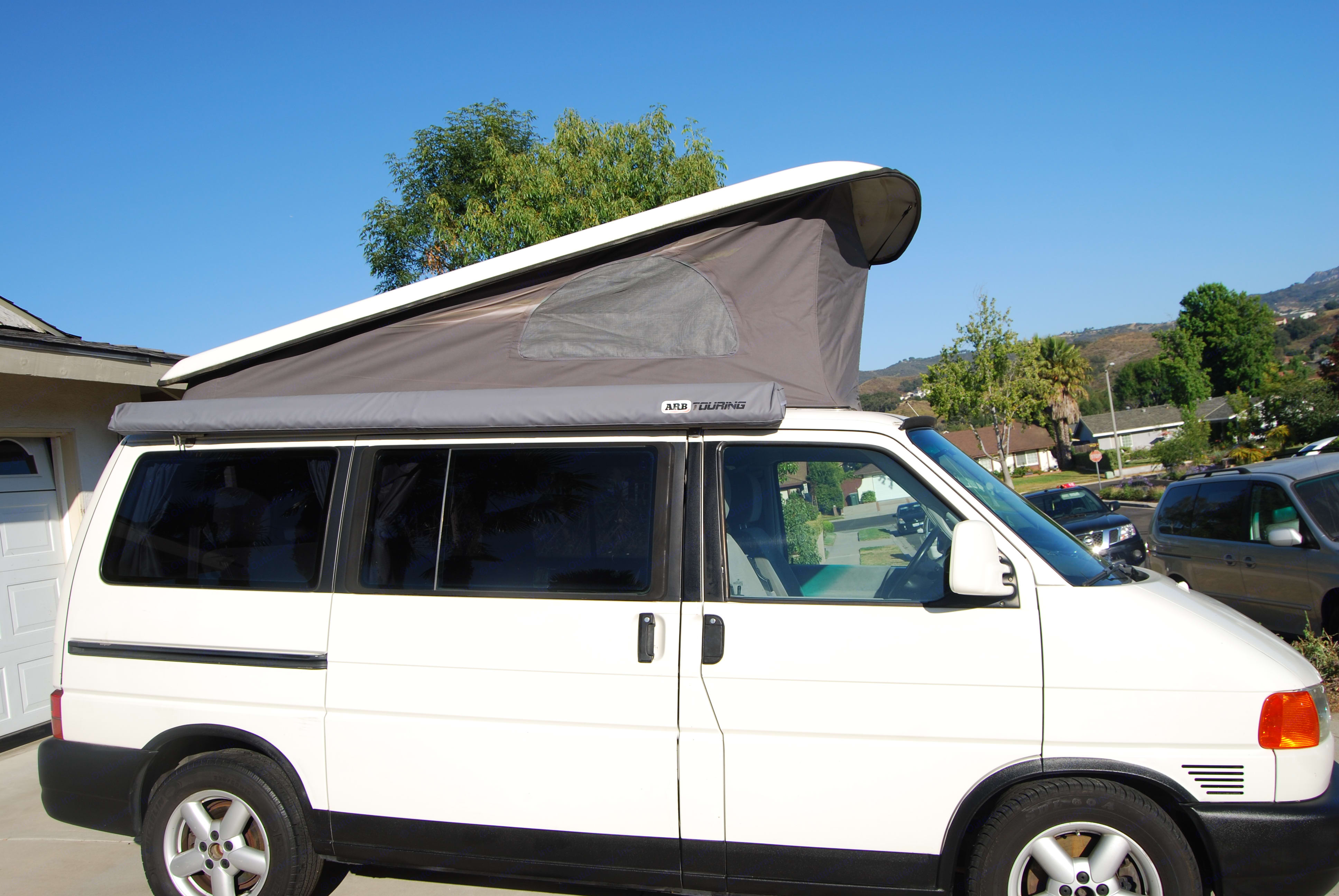 Pop Top Fun with side vents to let in beach breezes and mountain air.. Volkswagen T4 Multivan Westfalia 2002