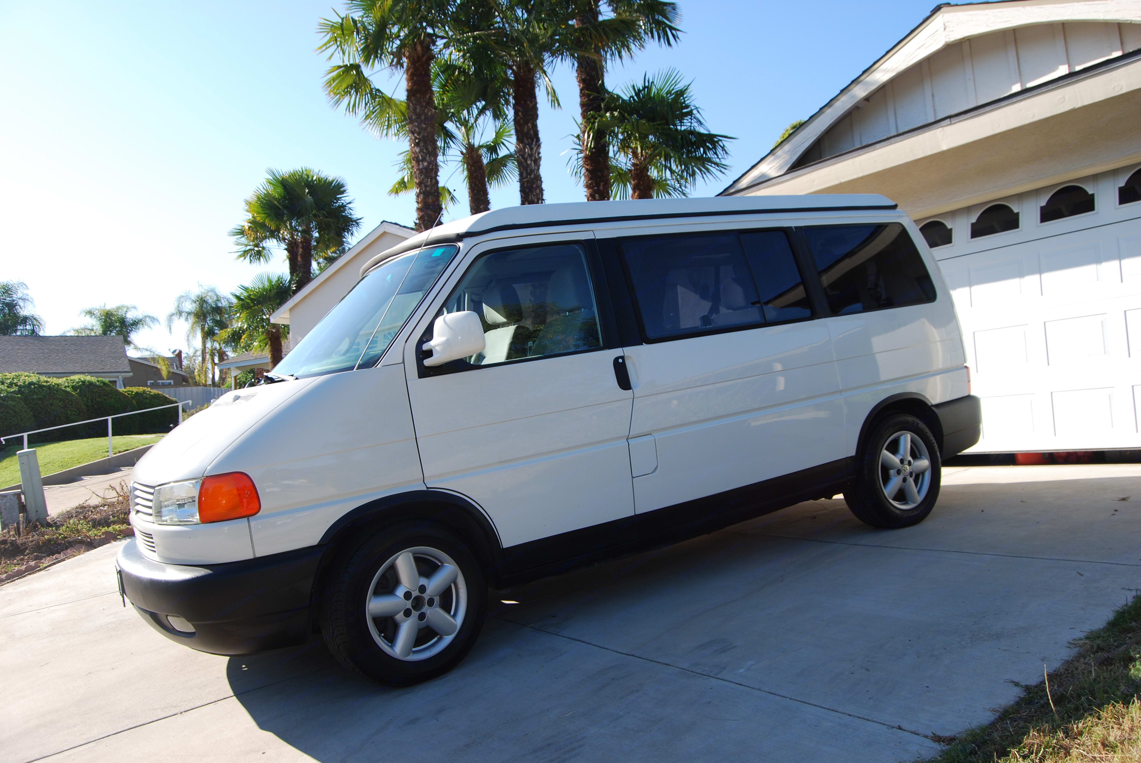 Looking sharp and easy to drive and park.. Volkswagen T4 Multivan Westfalia 2002