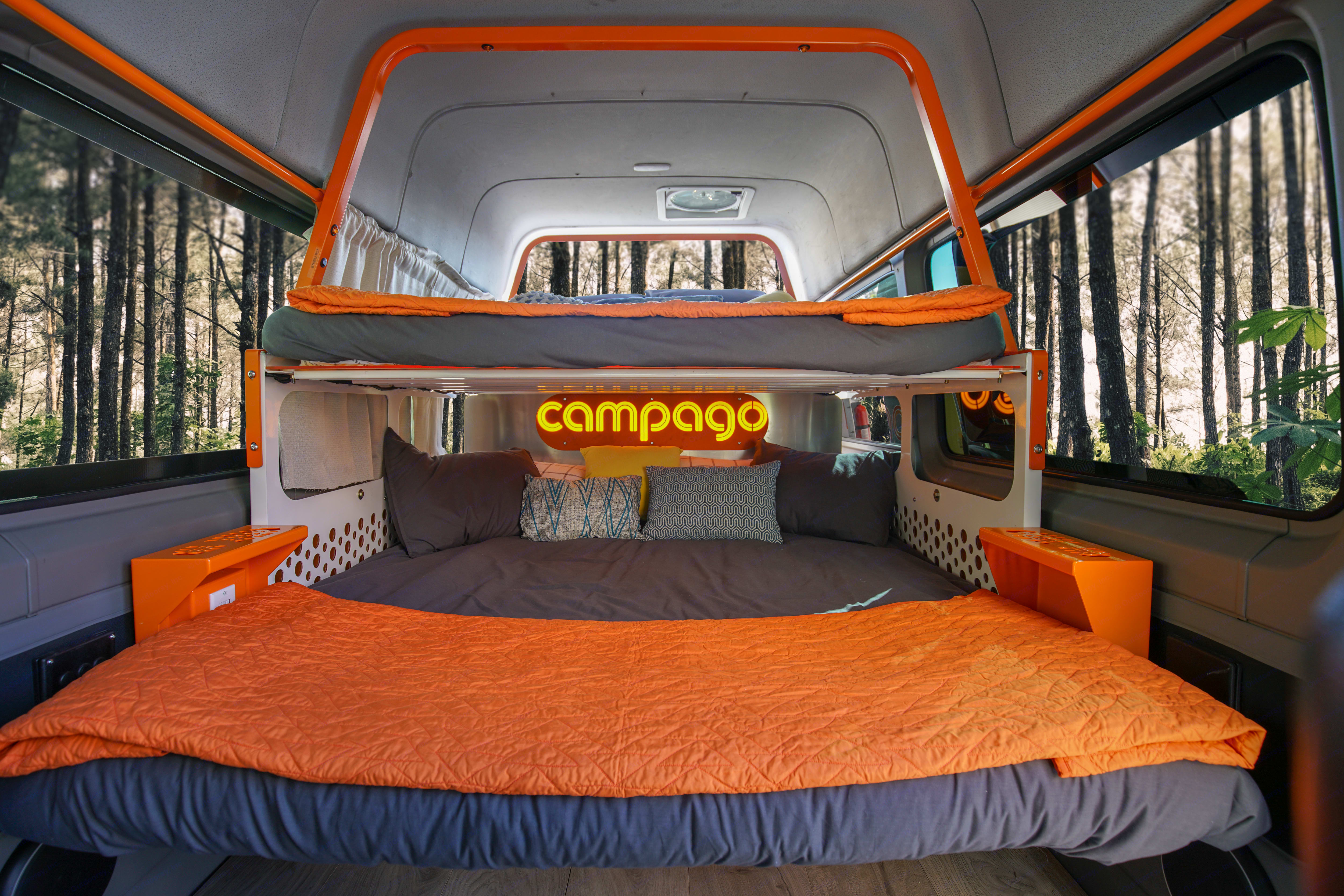 Two beautiful, snuggly, comfy beds with all the dressings. Mercedes-Benz Sprinter 2013