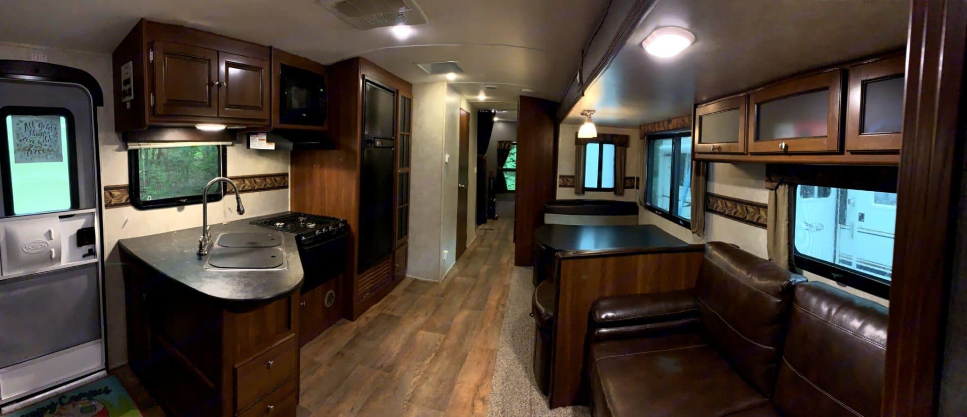 Living area. Keystone Premier 2015