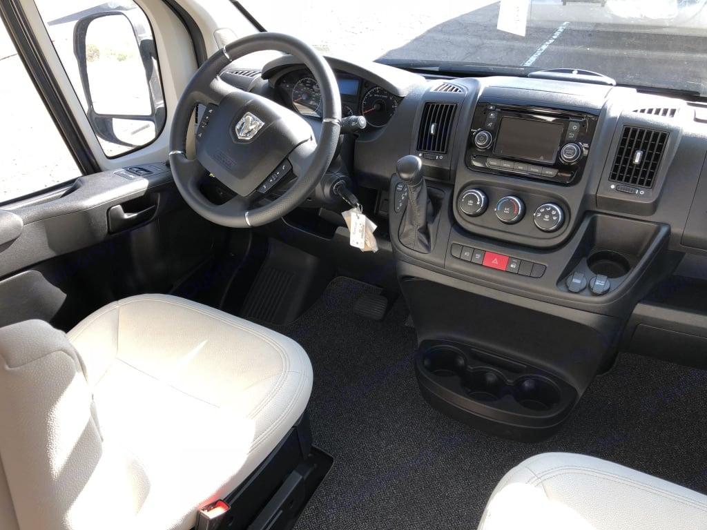 Comfortable driving cabin. Hymer Aktiv 1.0 2018