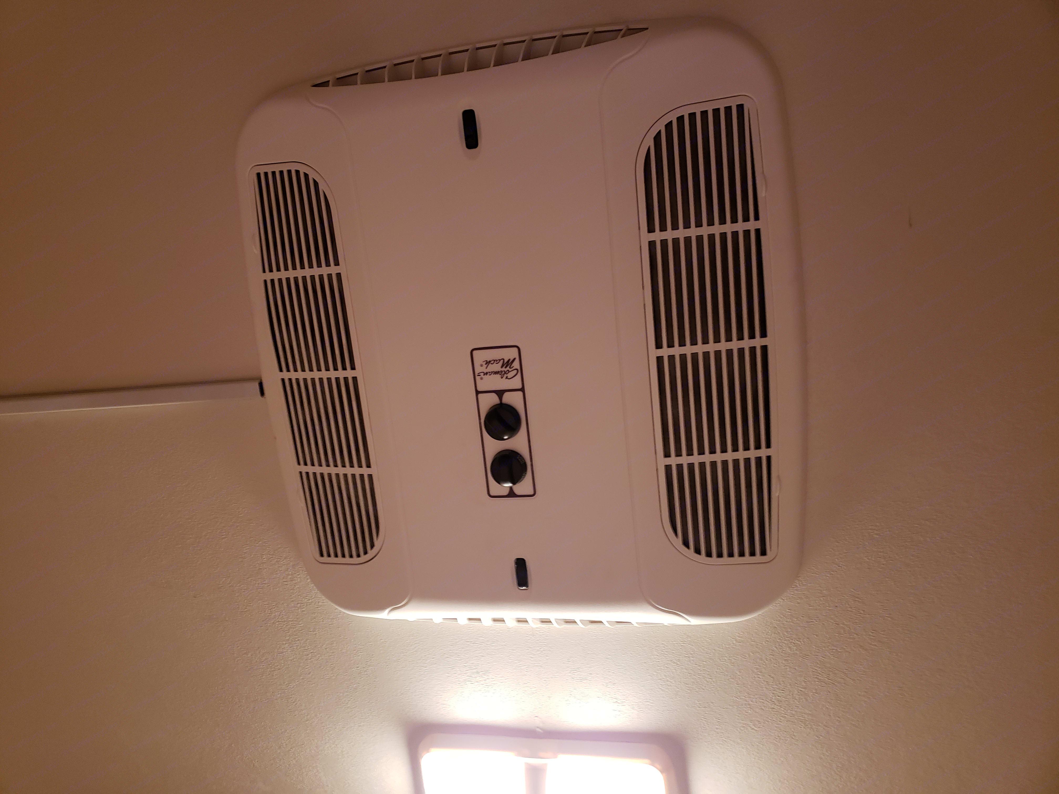 Bedroom air conditioner. Coachmen Mirada 2000