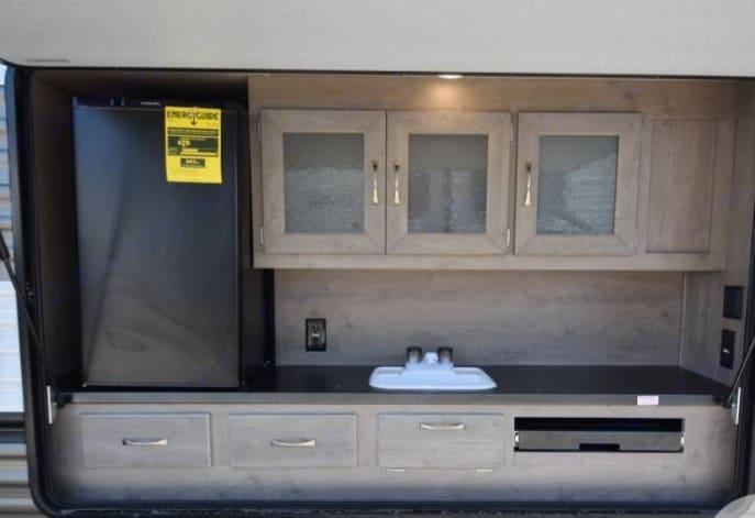 Outdoor kitchen!. Palomino Puma 2020